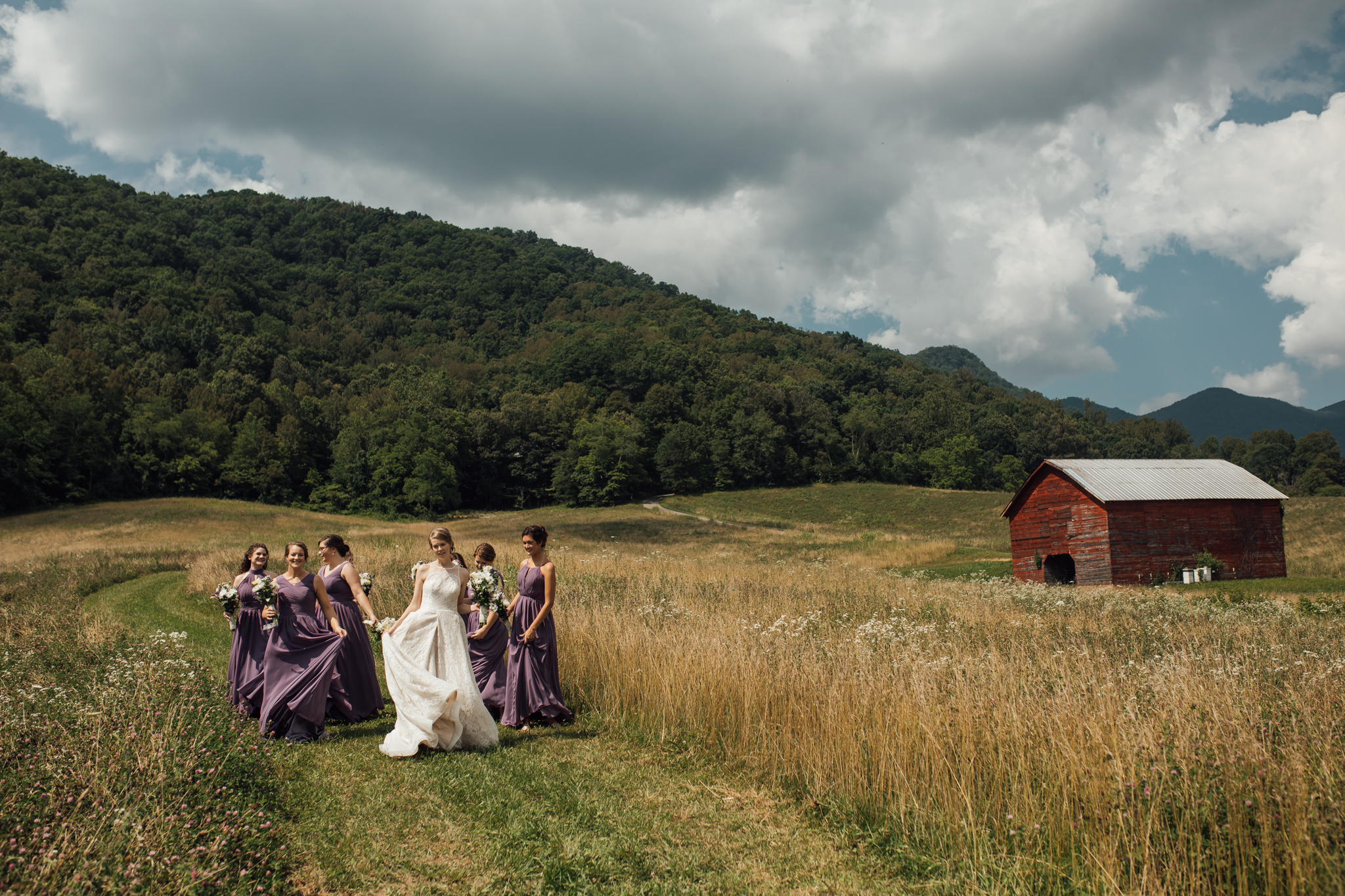 ashville-wedding-photographers-thewarmtharoundyou--backyard-asheville-wedding-mountain-wedding (89 of 244).jpg