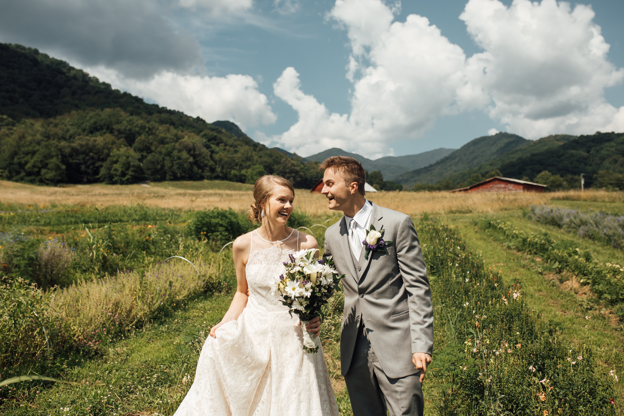 ashville-wedding-photographers-thewarmtharoundyou--backyard-asheville-wedding-mountain-wedding (96 of 244).jpg