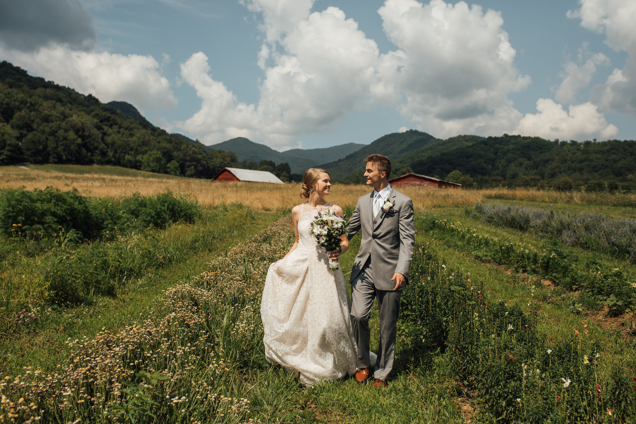 ashville-wedding-photographers-thewarmtharoundyou--backyard-asheville-wedding-mountain-wedding (95 of 244).jpg