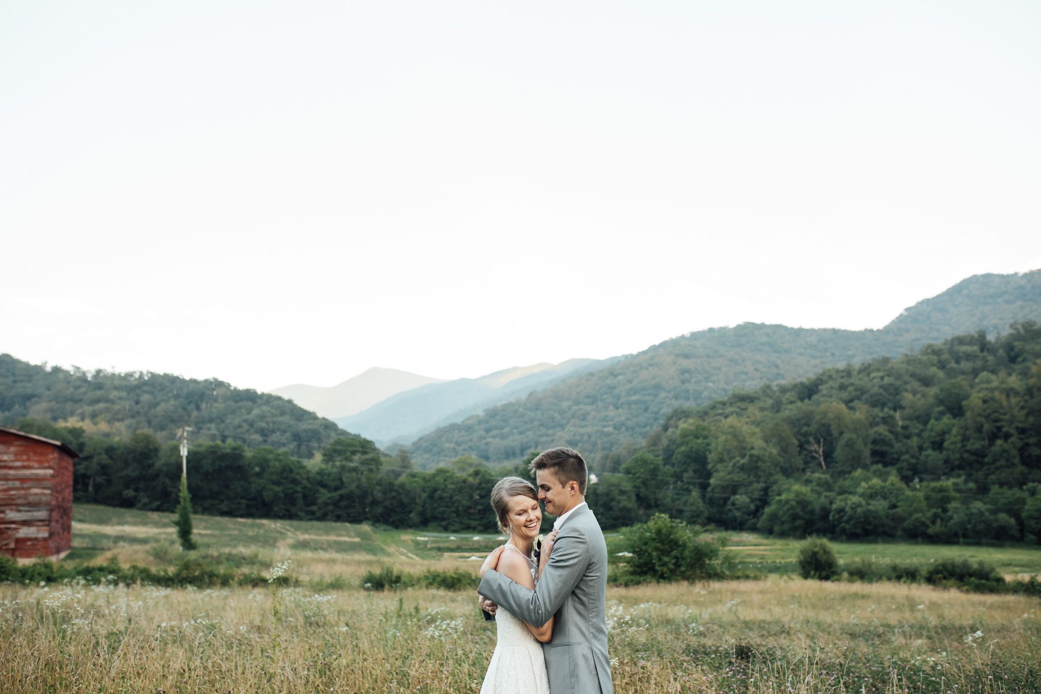 ashville-wedding-photographers-thewarmtharoundyou--backyard-asheville-wedding-mountain-wedding (210 of 244).jpg