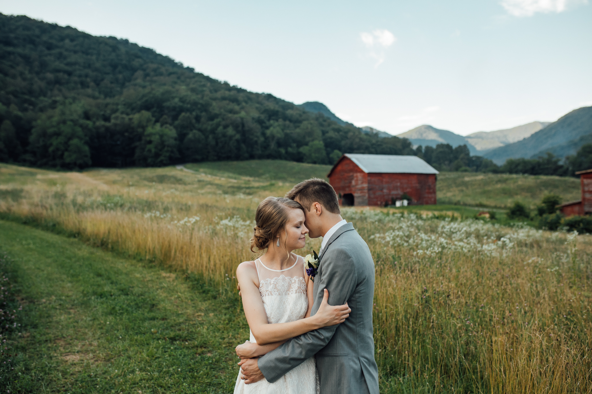 ashville-wedding-photographers-thewarmtharoundyou--backyard-asheville-wedding-mountain-wedding (217 of 244).jpg