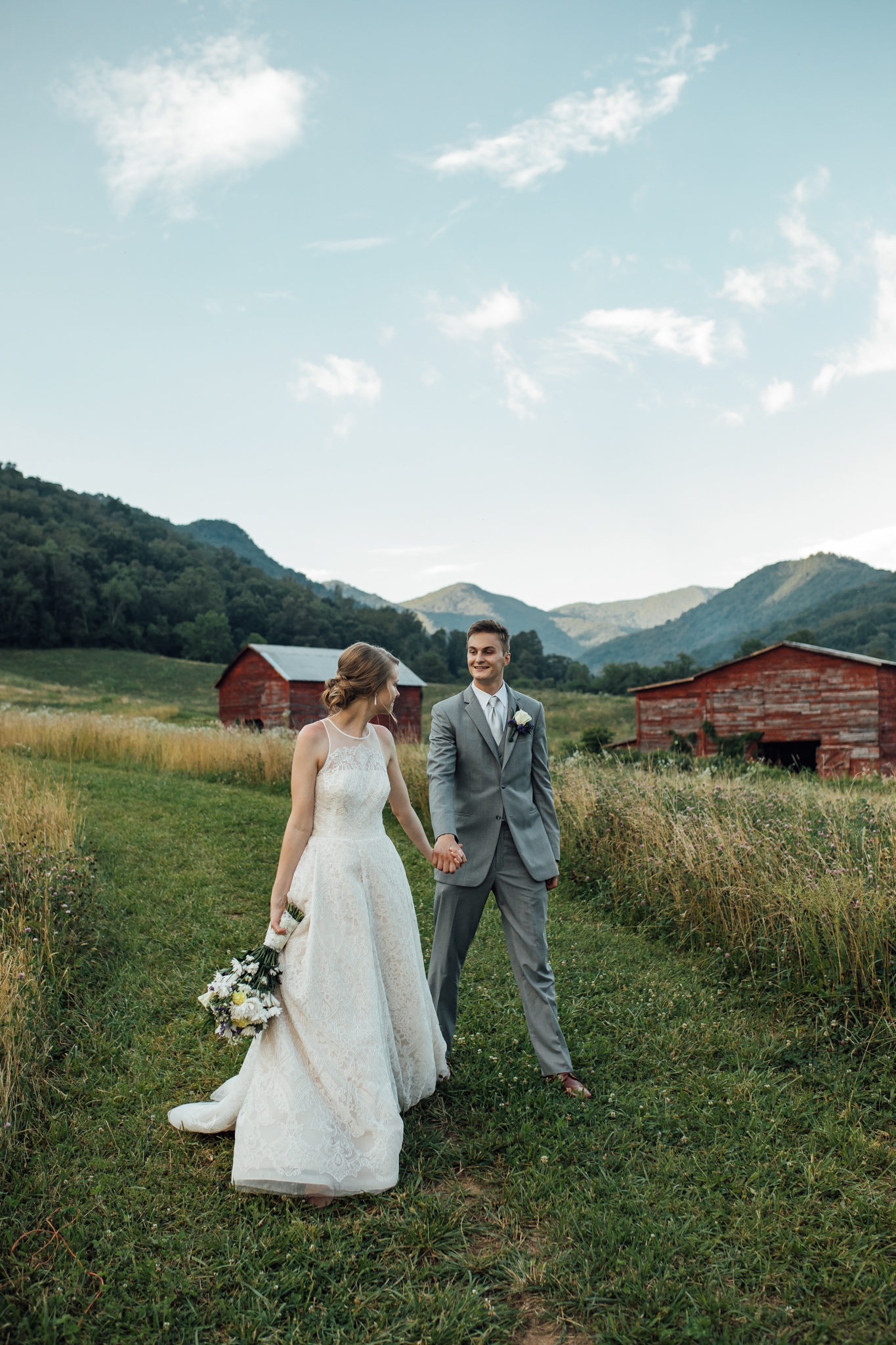 ashville-wedding-photographers-thewarmtharoundyou--backyard-asheville-wedding-mountain-wedding (220 of 244).jpg