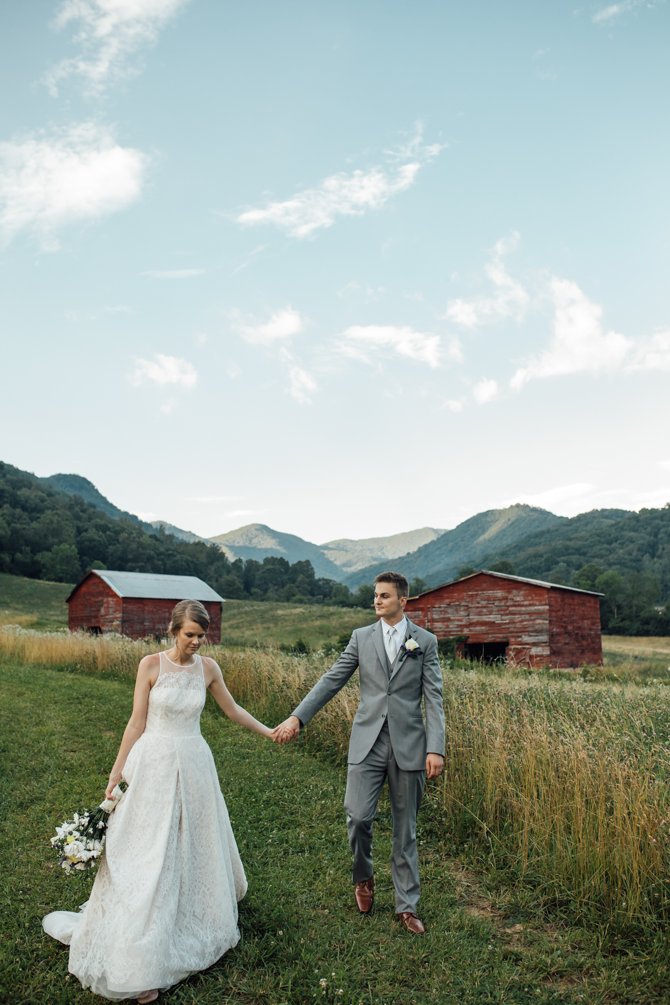ashville-wedding-photographers-thewarmtharoundyou--backyard-asheville-wedding-mountain-wedding (221 of 244).jpg