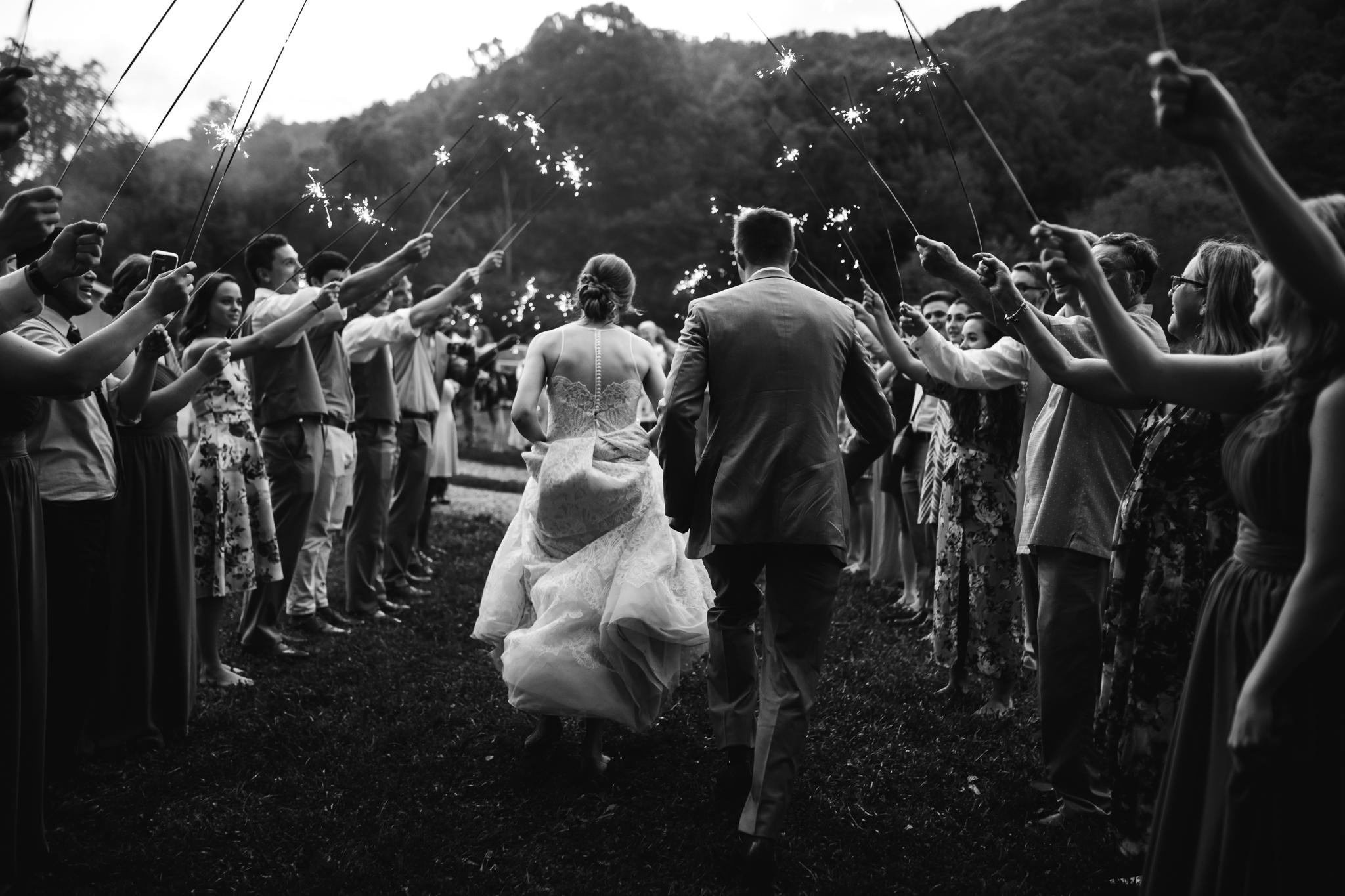ashville-wedding-photographers-thewarmtharoundyou--backyard-asheville-wedding-mountain-wedding (236 of 244).jpg