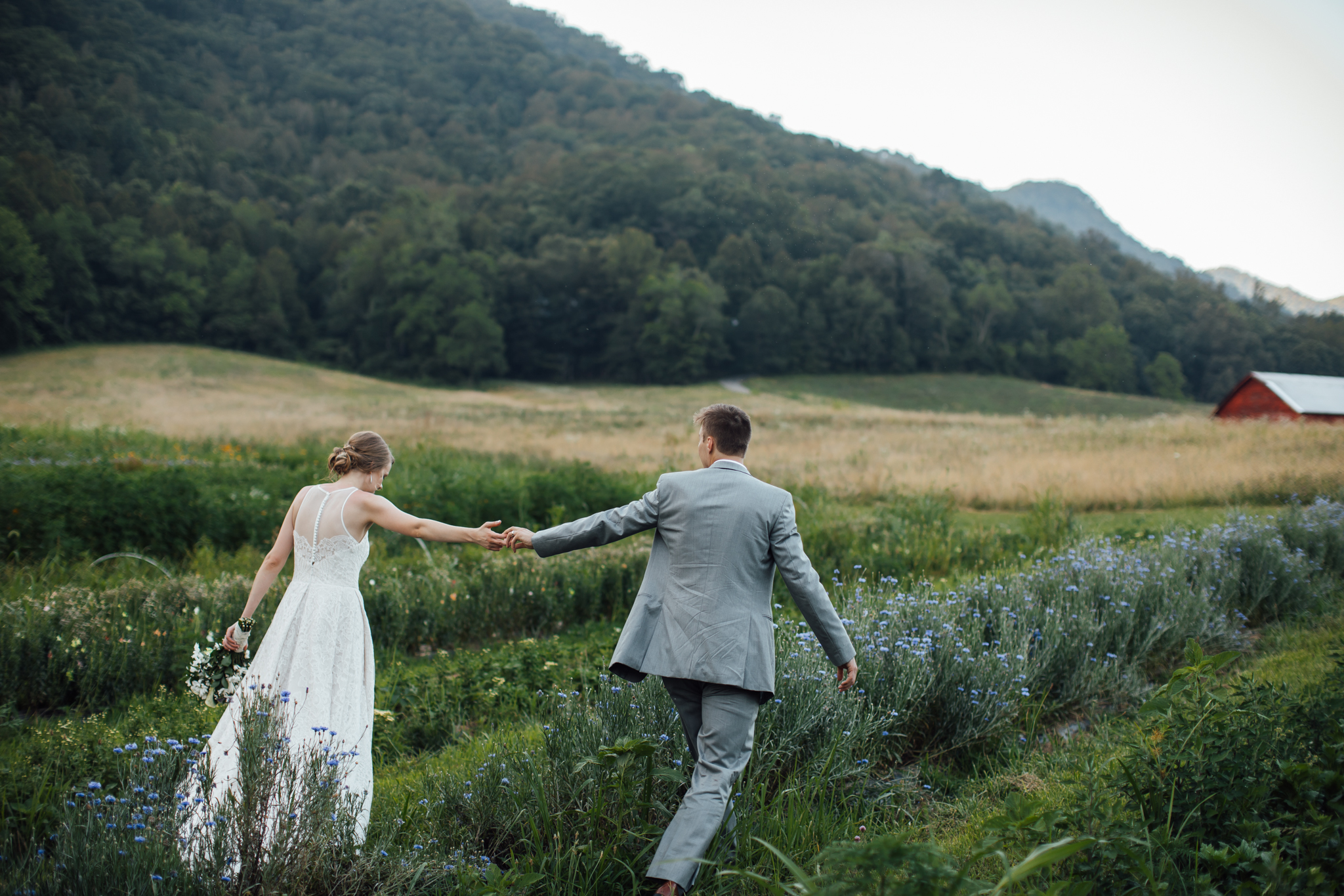 asheville-wedding-photographers-TheBasilicaofSt.Lawrence-IvyCreekFamilyFarm-thewarmtharoundyou (40 of 52).jpg