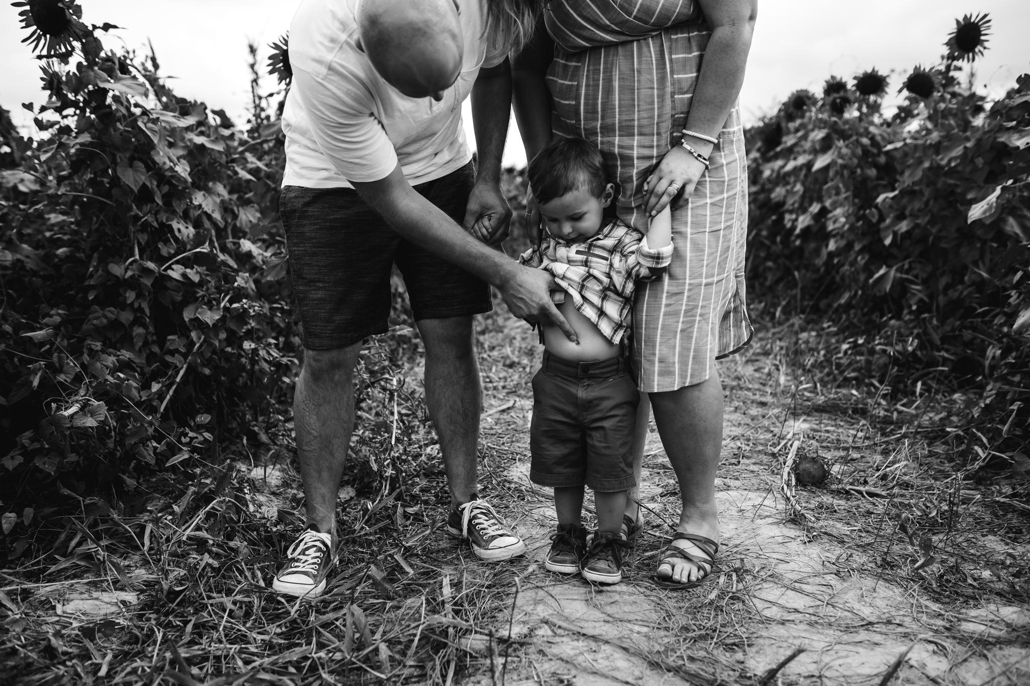 memphis-family-photographer-sunflower-thewarmtharoundyou (10 of 11).jpg