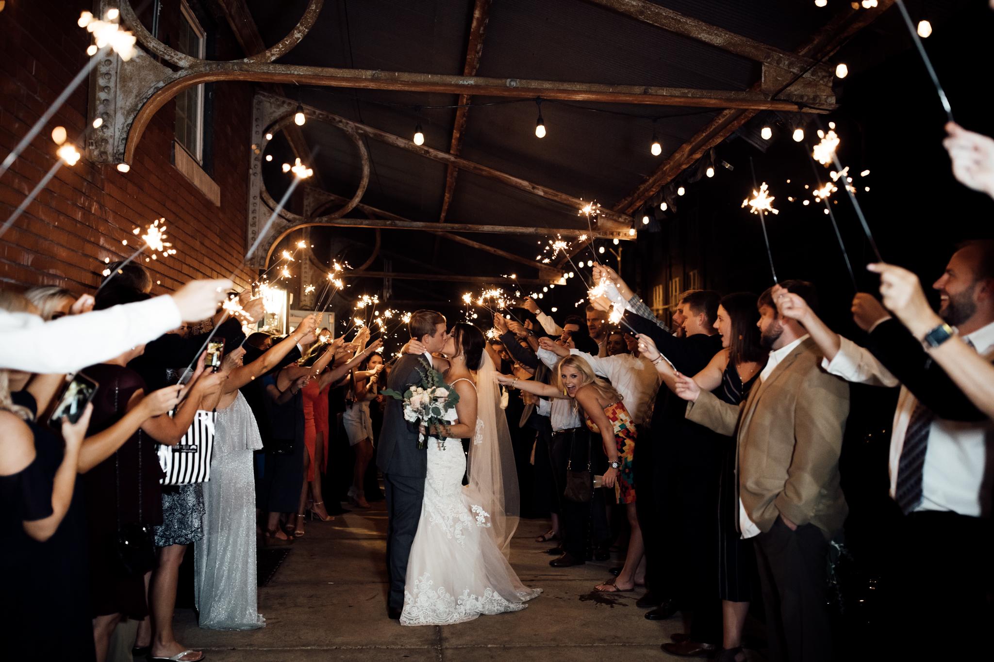 409smain-downtown-memphis-wedding-venue-thewarmtharoundyou (226 of 243).jpg