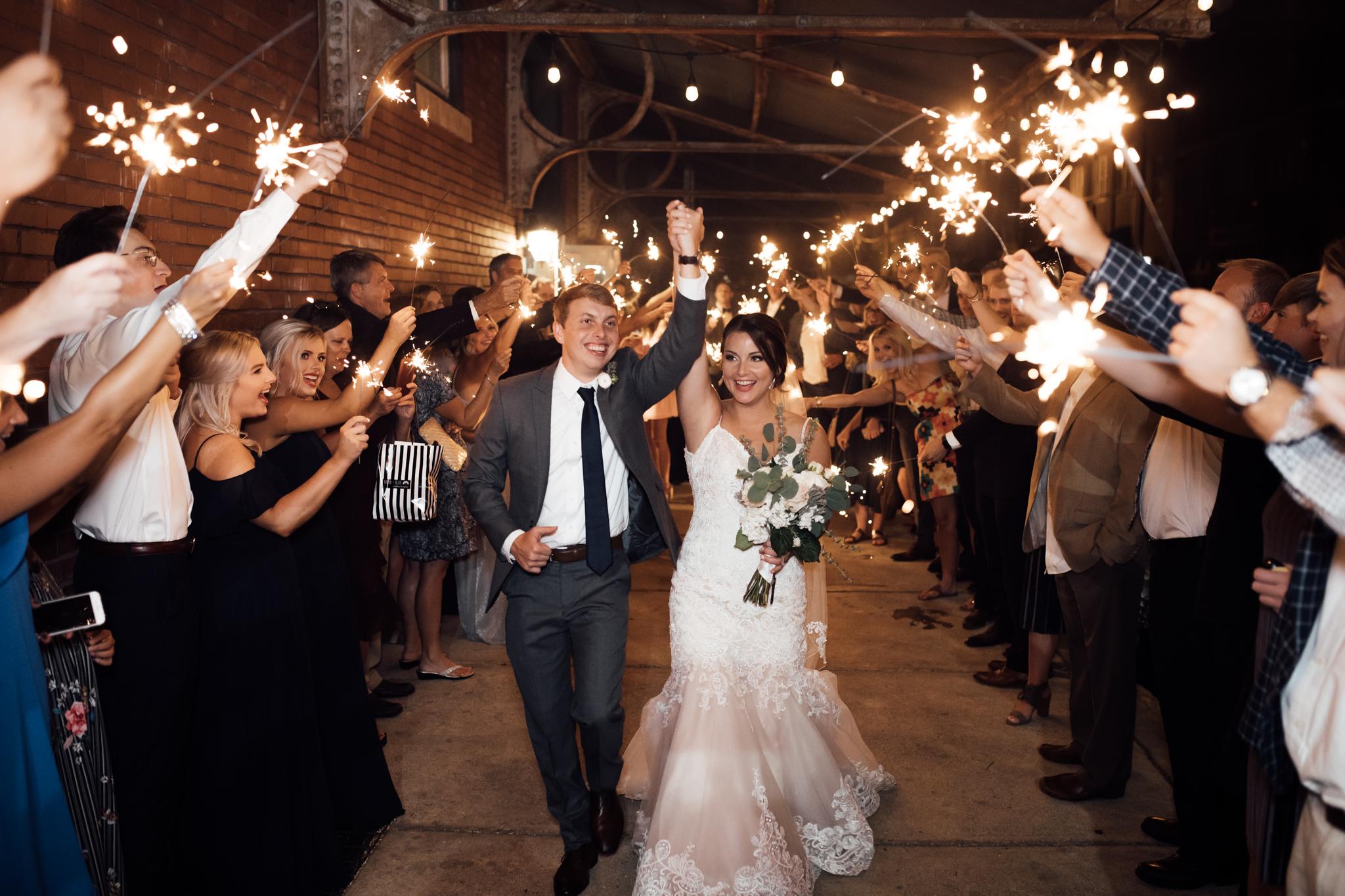 409smain-downtown-memphis-wedding-venue-thewarmtharoundyou (242 of 243).jpg