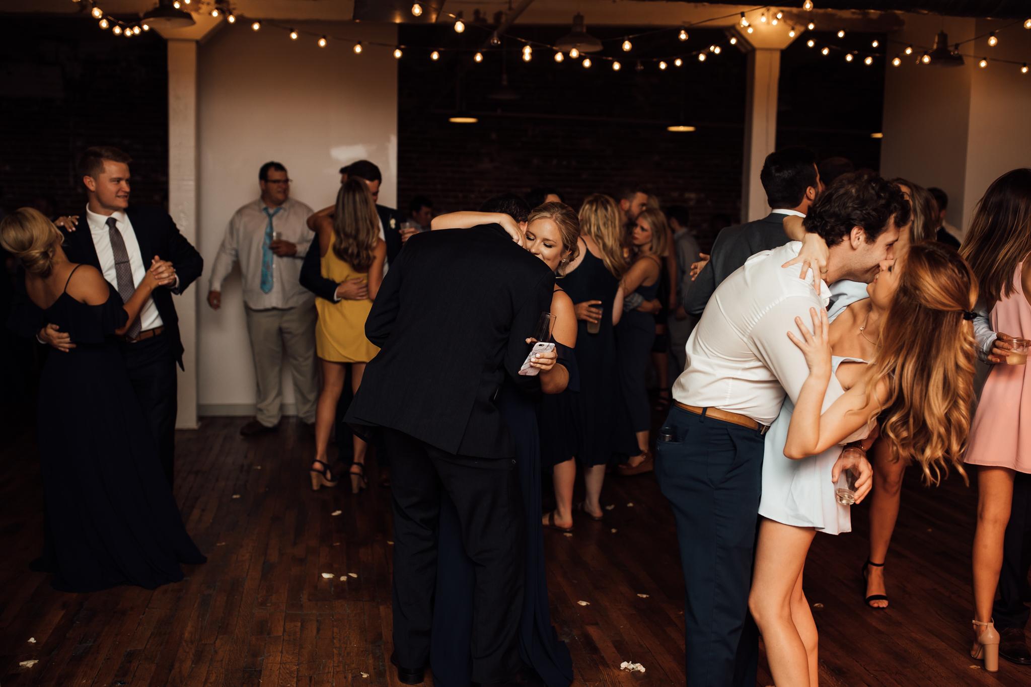 409smain-downtown-memphis-wedding-venue-thewarmtharoundyou (138 of 243).jpg