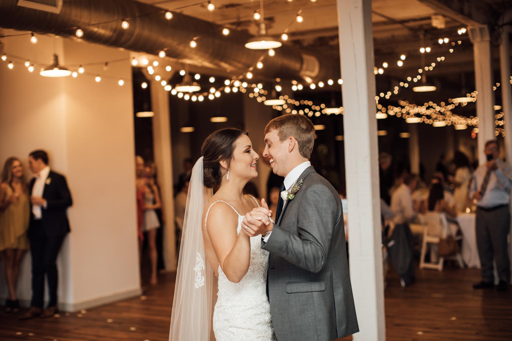 409smain-downtown-memphis-wedding-venue-thewarmtharoundyou (127 of 243).jpg