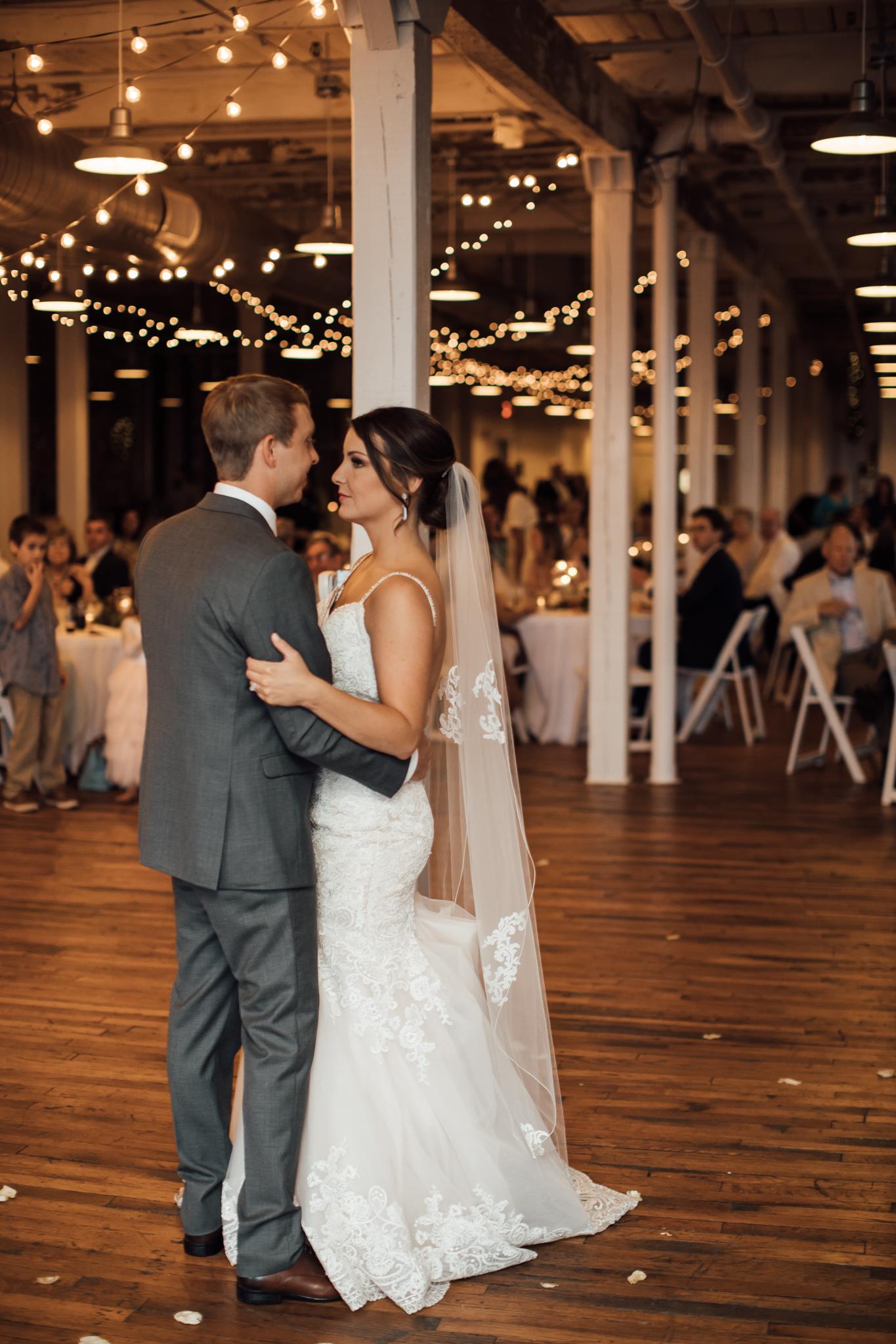 409smain-downtown-memphis-wedding-venue-thewarmtharoundyou (126 of 243).jpg