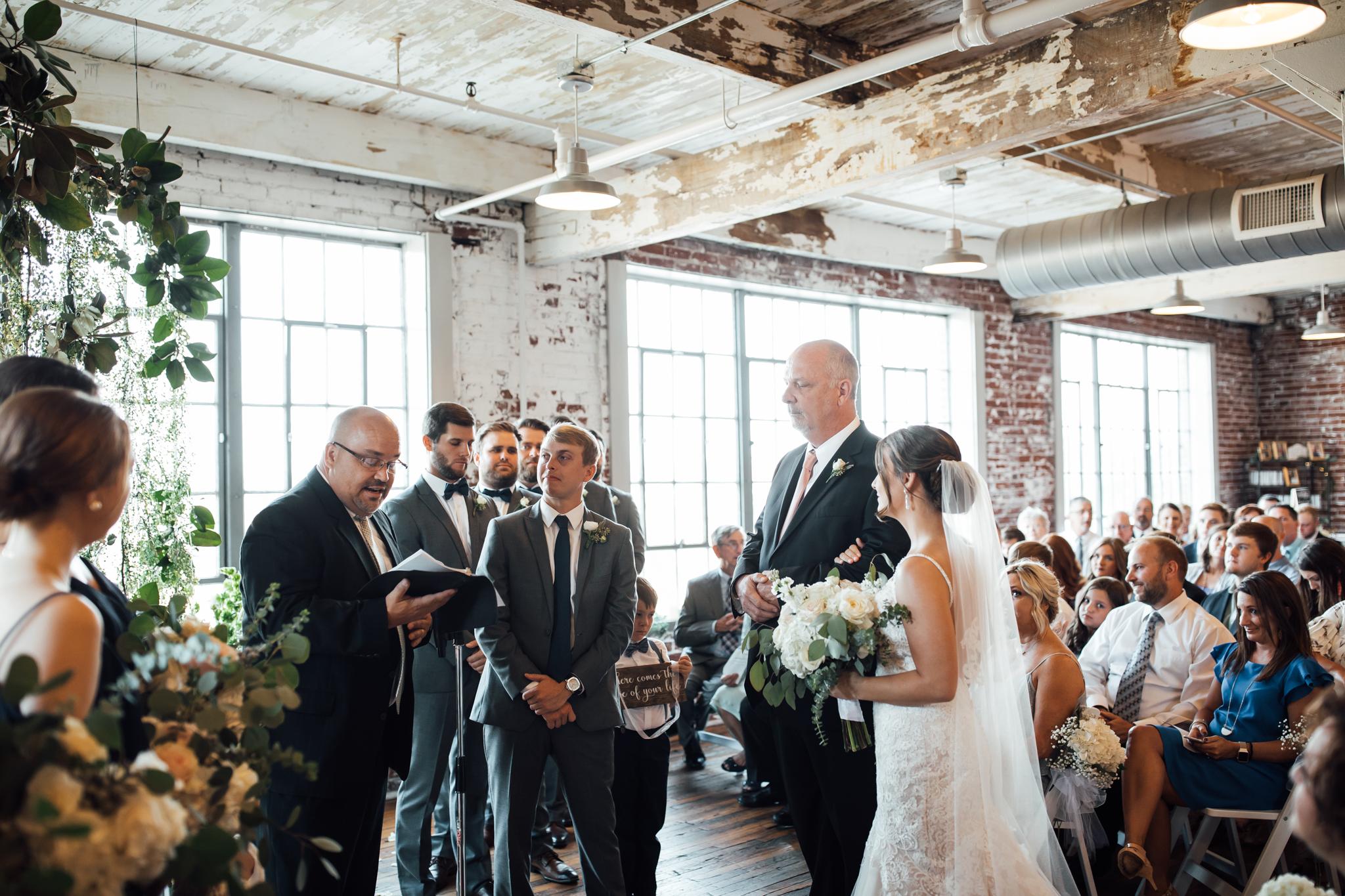 409smain-downtown-memphis-wedding-venue-thewarmtharoundyou (89 of 243).jpg