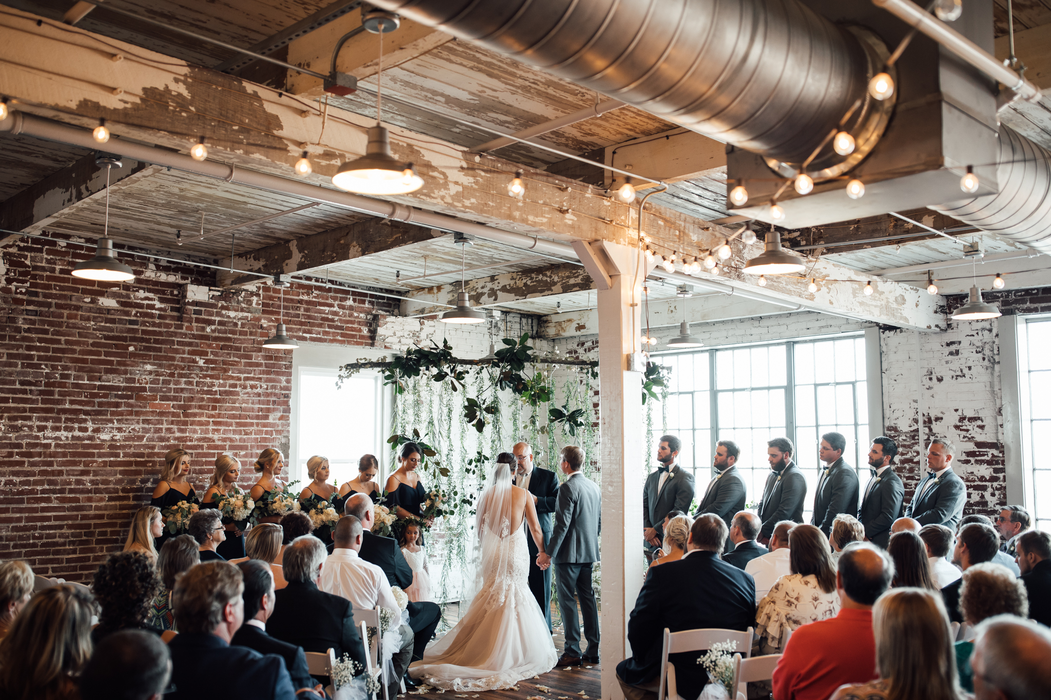 409smain-downtown-memphis-wedding-venue-thewarmtharoundyou (93 of 243).jpg