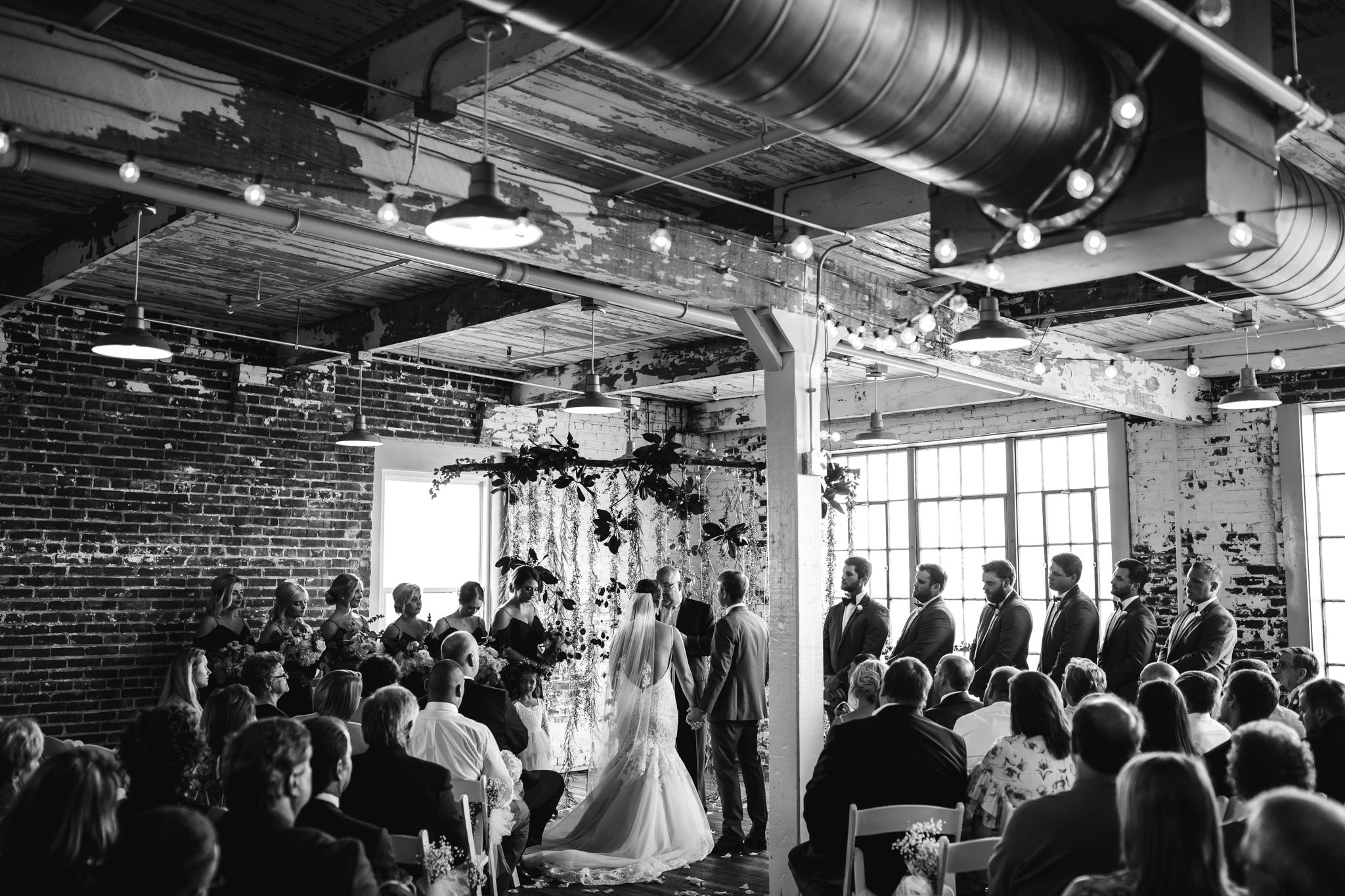 409smain-downtown-memphis-wedding-venue-thewarmtharoundyou (94 of 243).jpg