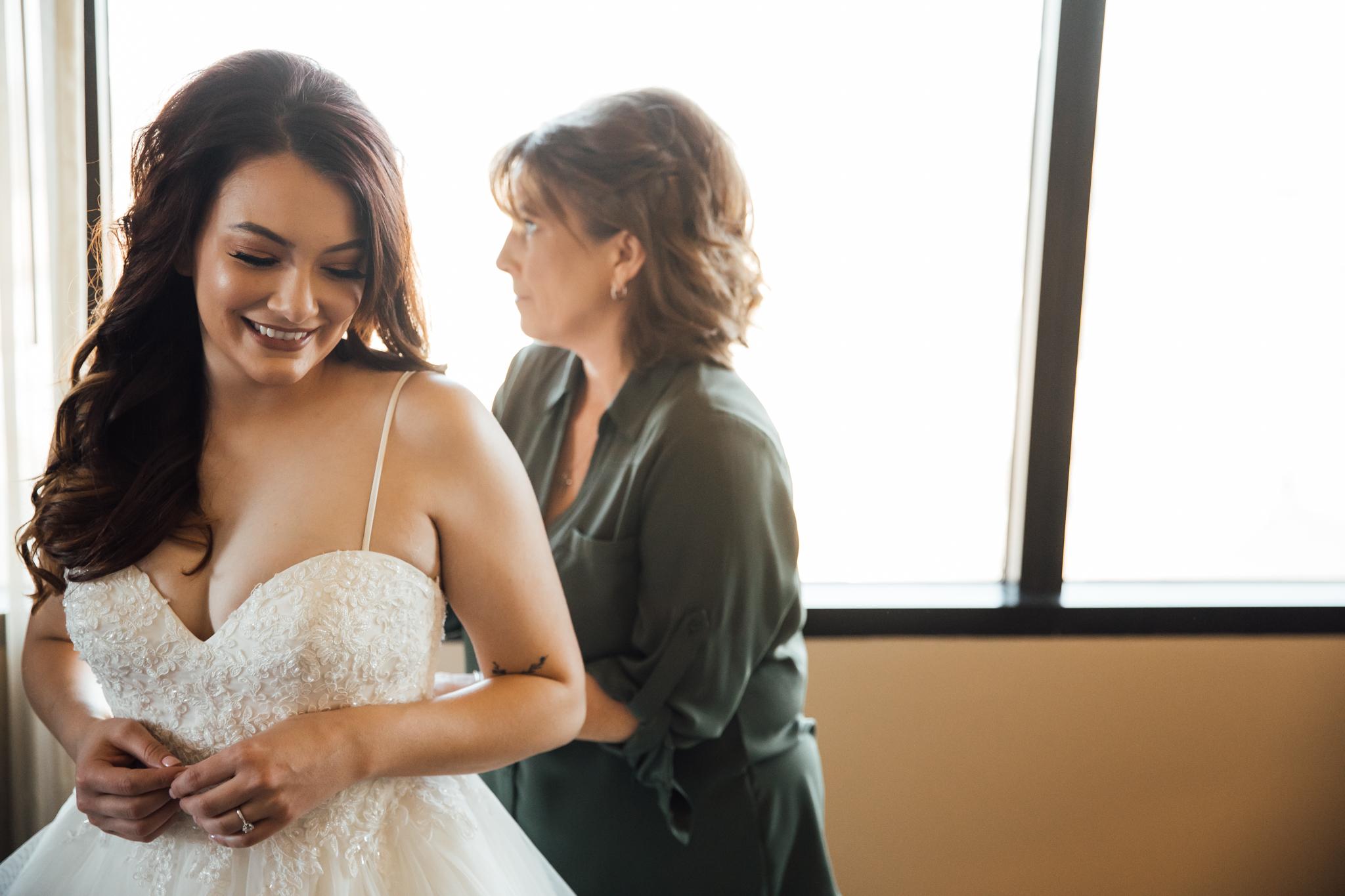 memphis-wedding-photographers-thewarmtharoundyou-ballinese-ballroom (30 of 232).jpg