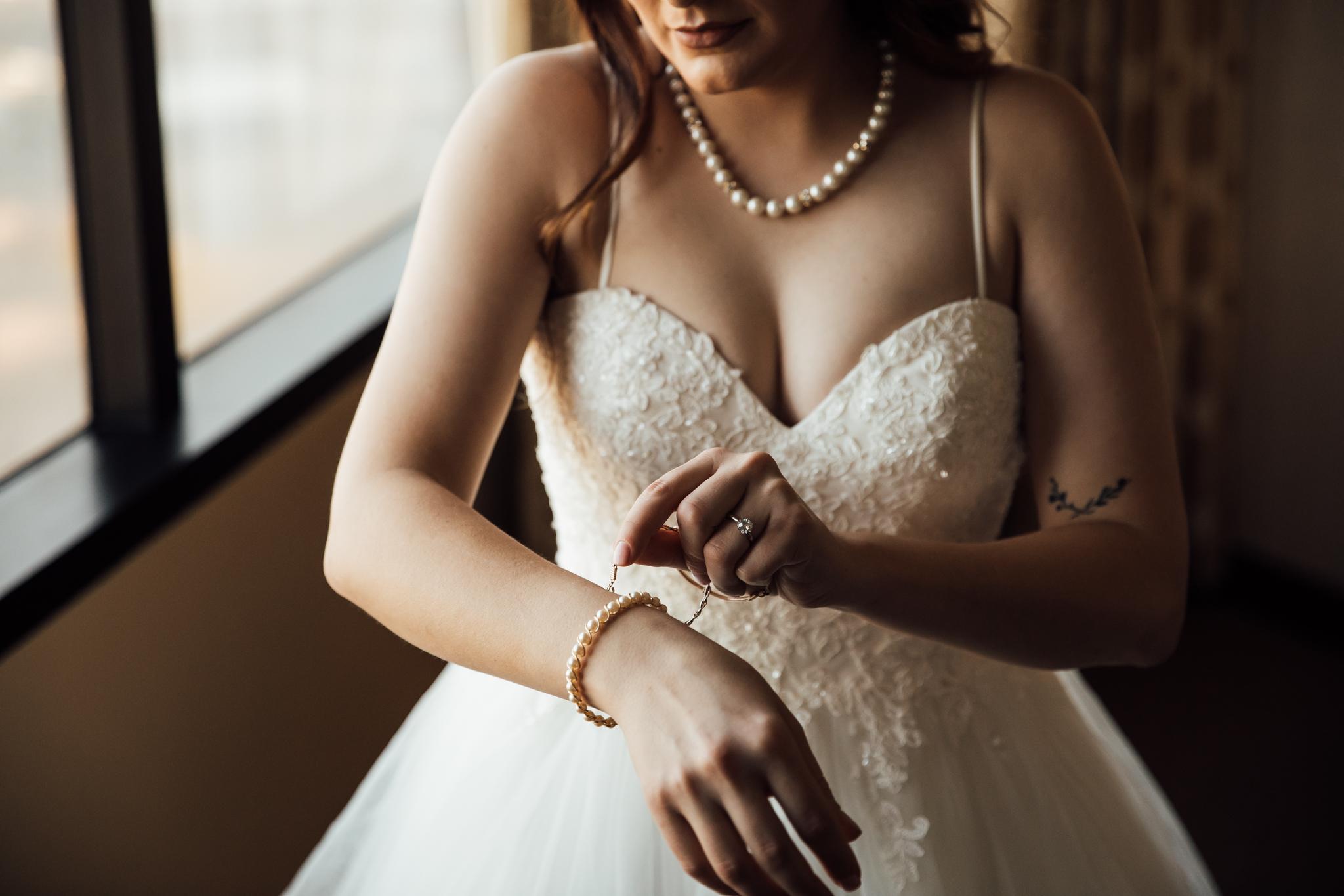 memphis-wedding-photographers-thewarmtharoundyou-ballinese-ballroom (48 of 232).jpg