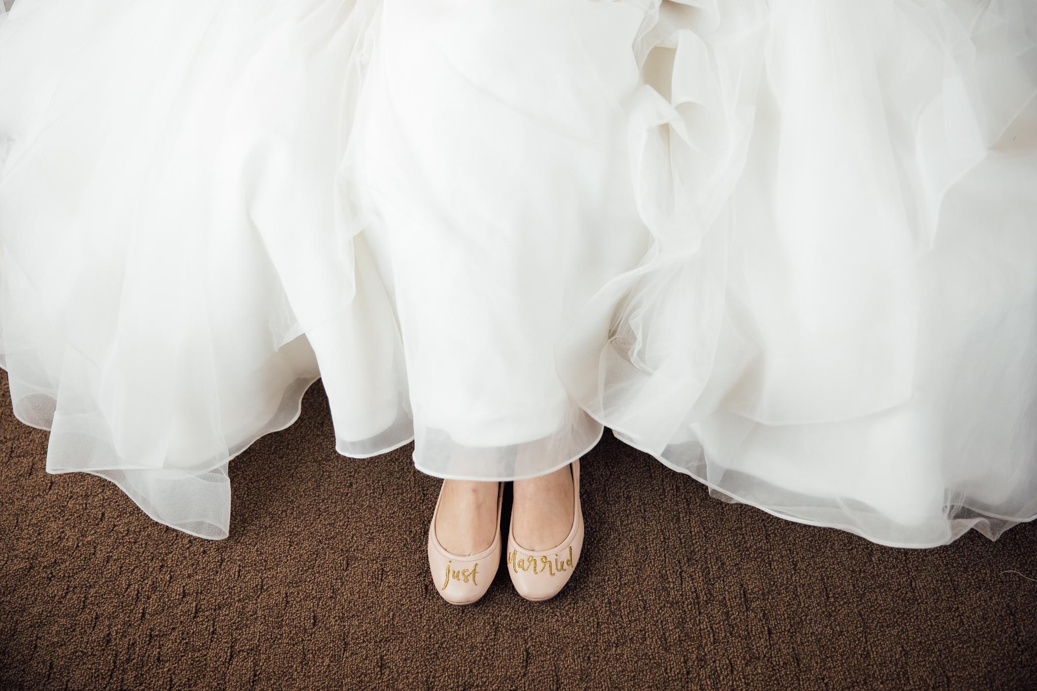 memphis-wedding-photographers-thewarmtharoundyou-ballinese-ballroom (54 of 232).jpg