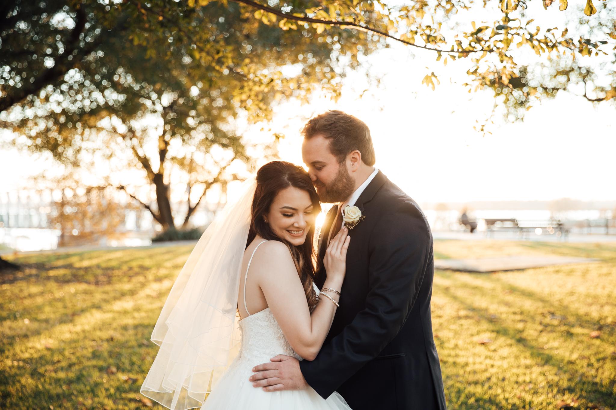 memphis-wedding-photographers-thewarmtharoundyou-ballinese-ballroom (76 of 232).jpg