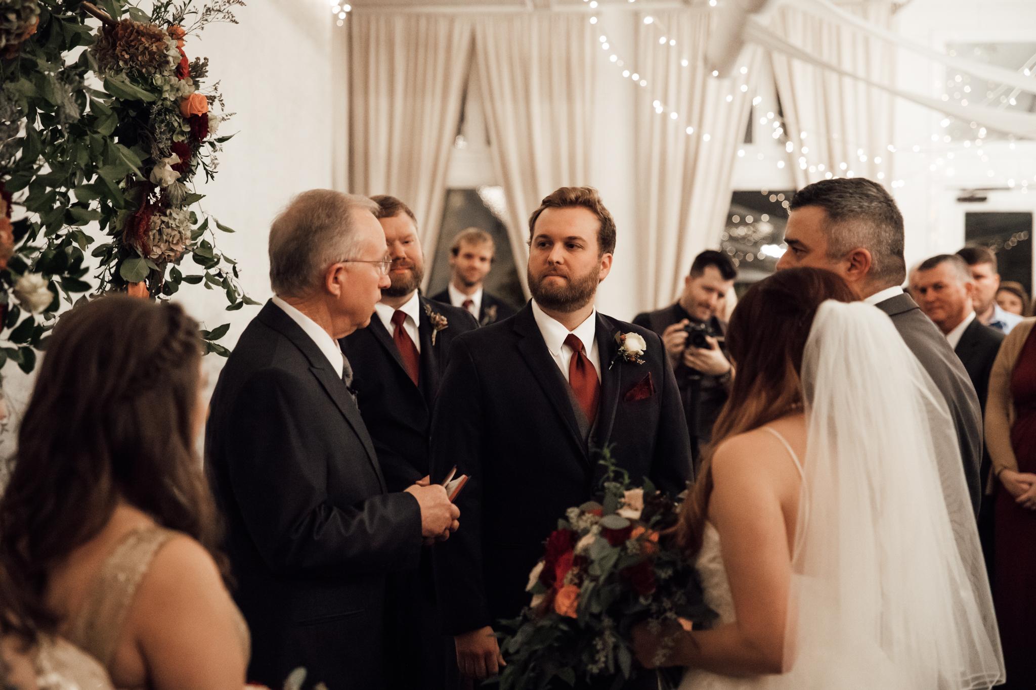 memphis-wedding-photographers-thewarmtharoundyou-ballinese-ballroom (139 of 232).jpg
