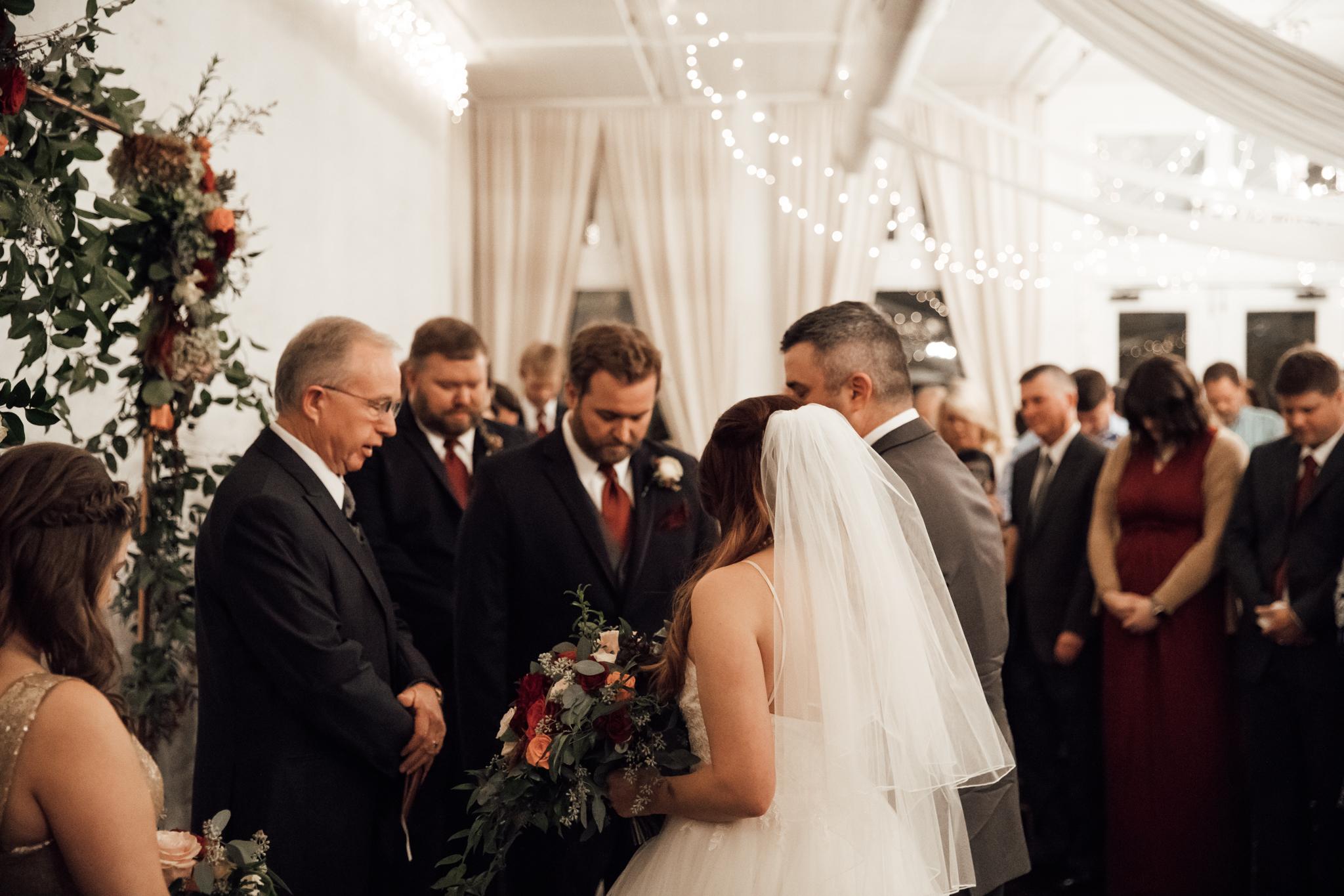memphis-wedding-photographers-thewarmtharoundyou-ballinese-ballroom (140 of 232).jpg