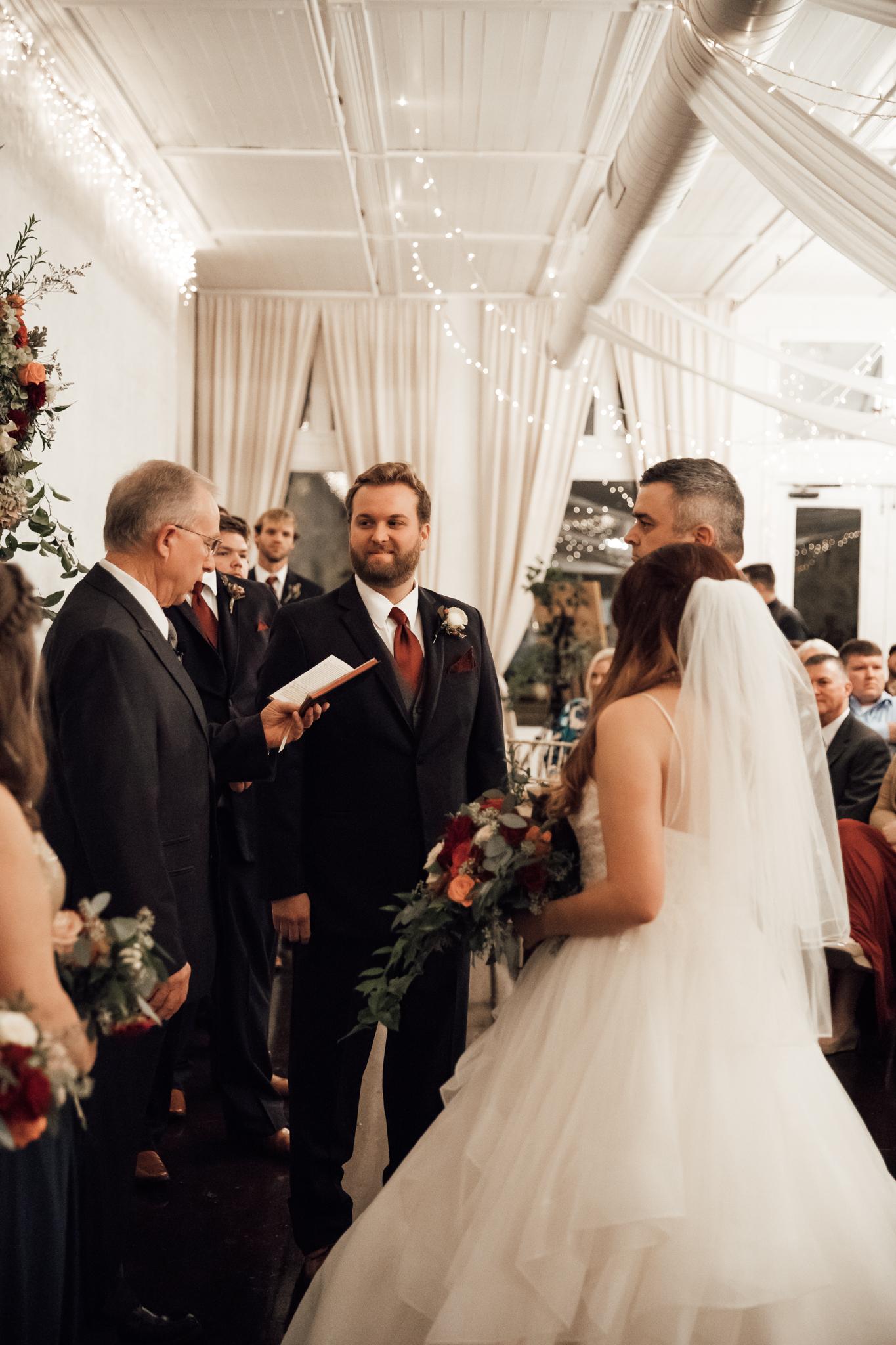 memphis-wedding-photographers-thewarmtharoundyou-ballinese-ballroom (145 of 232).jpg