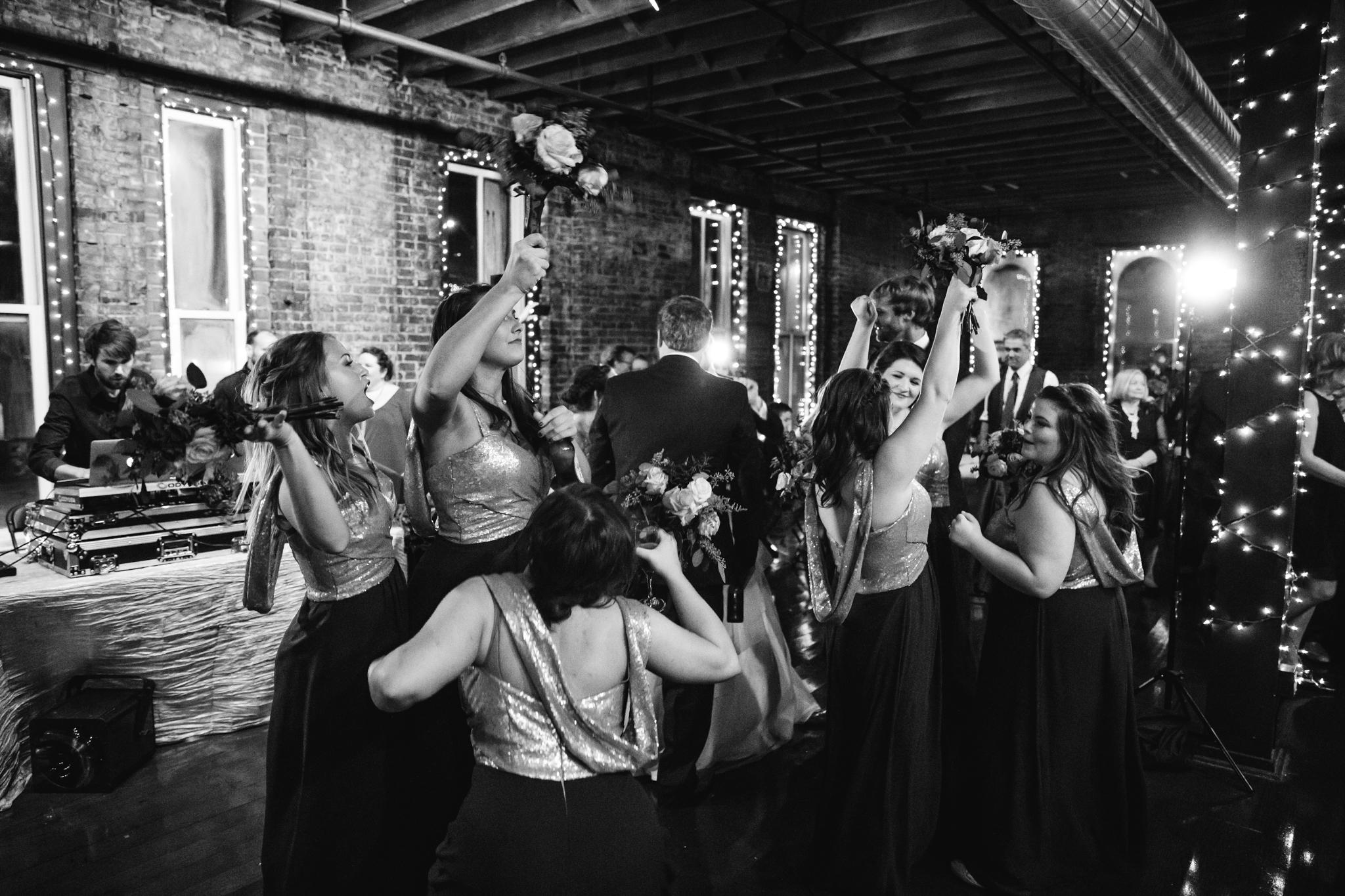 memphis-wedding-photographers-thewarmtharoundyou-ballinese-ballroom (194 of 232).jpg