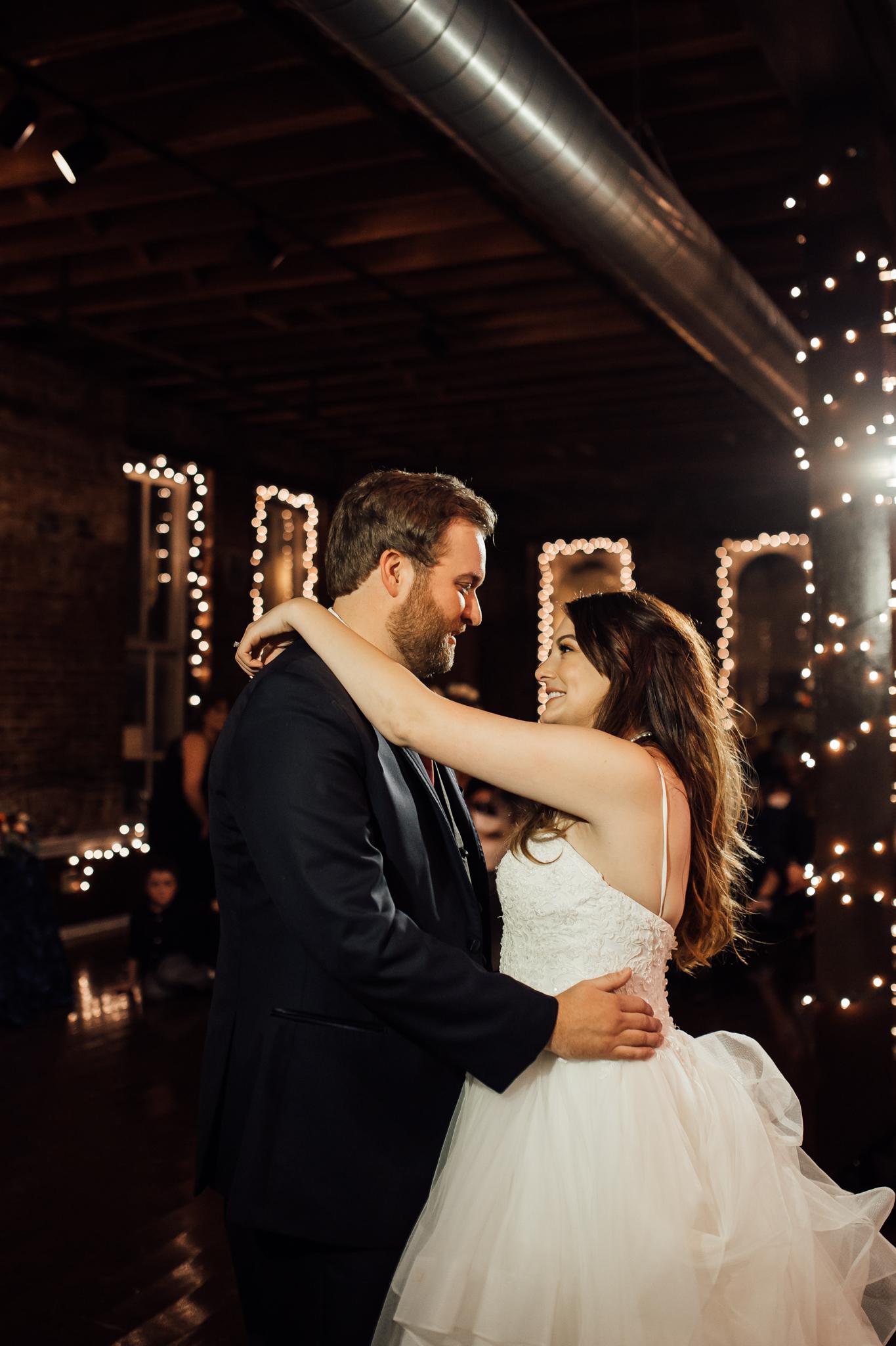 memphis-wedding-photographers-thewarmtharoundyou-ballinese-ballroom (49 of 65).jpg