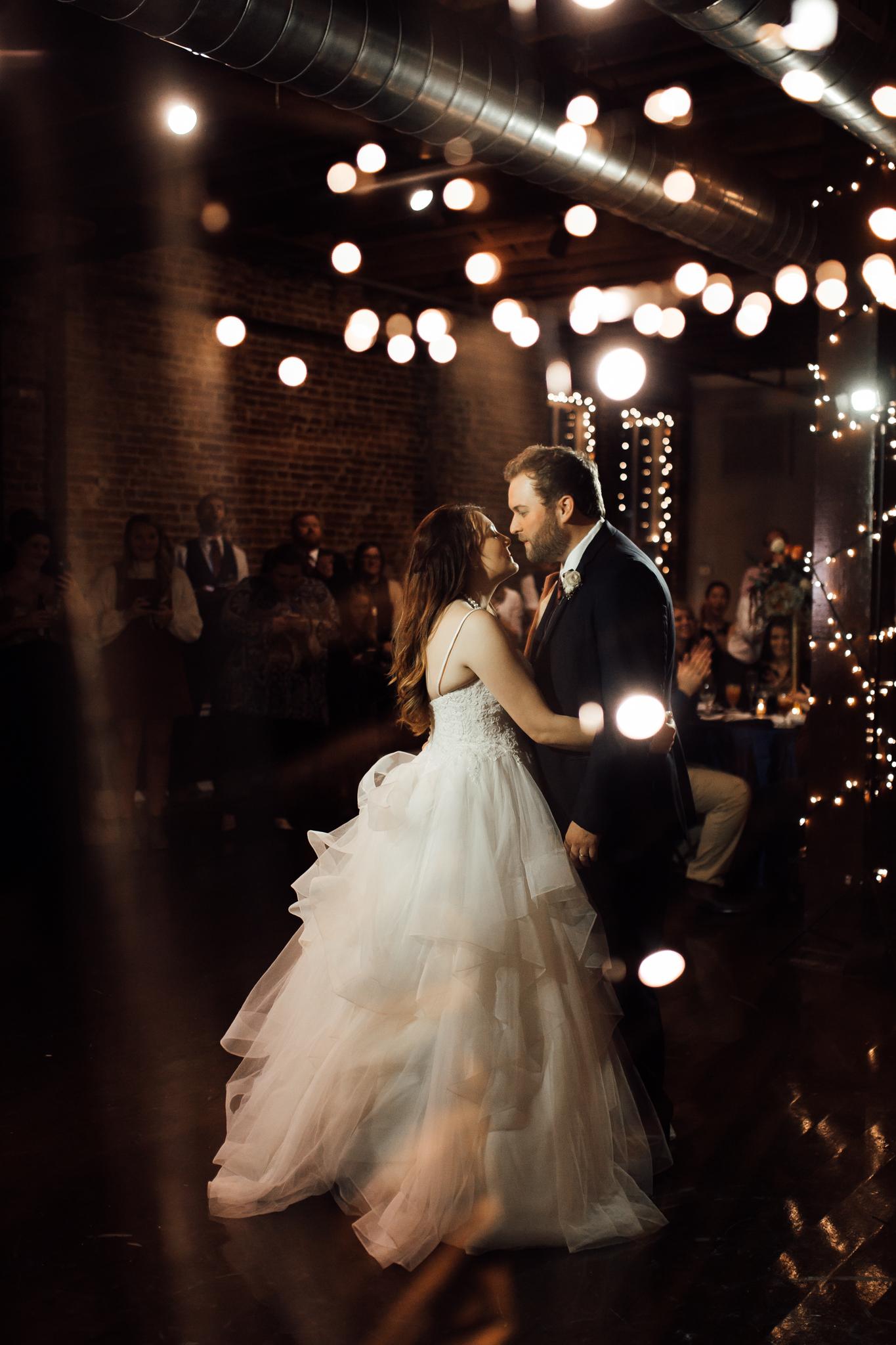 memphis-wedding-photographers-thewarmtharoundyou-ballinese-ballroom (50 of 65).jpg
