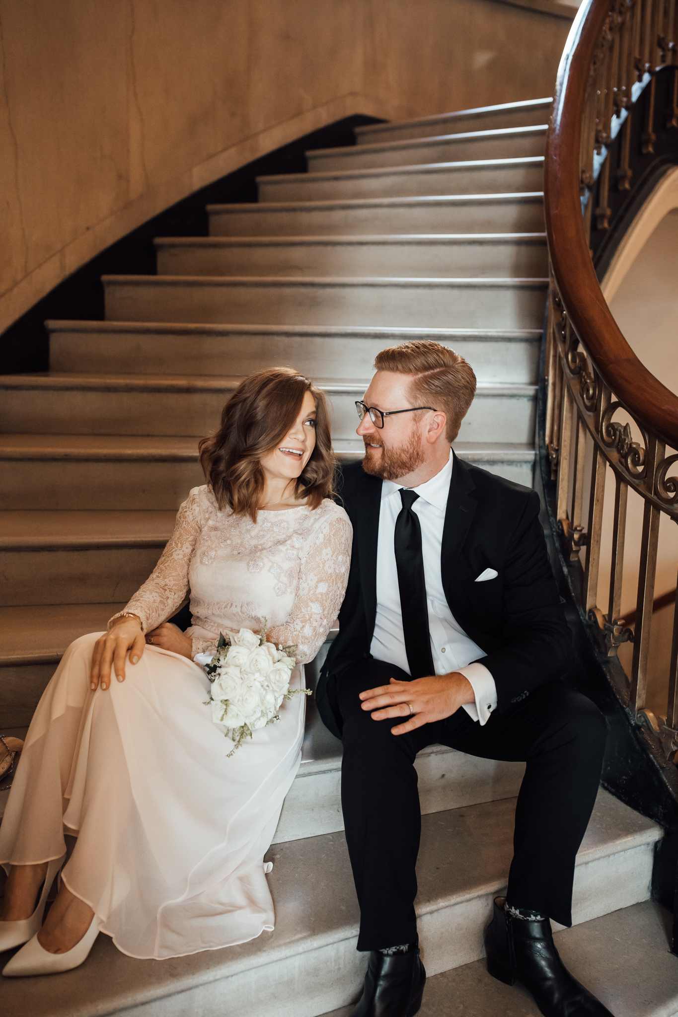 memphis-courthouse-elopement-thewarmtharoundyou-amanda-michael (50 of 143).jpg