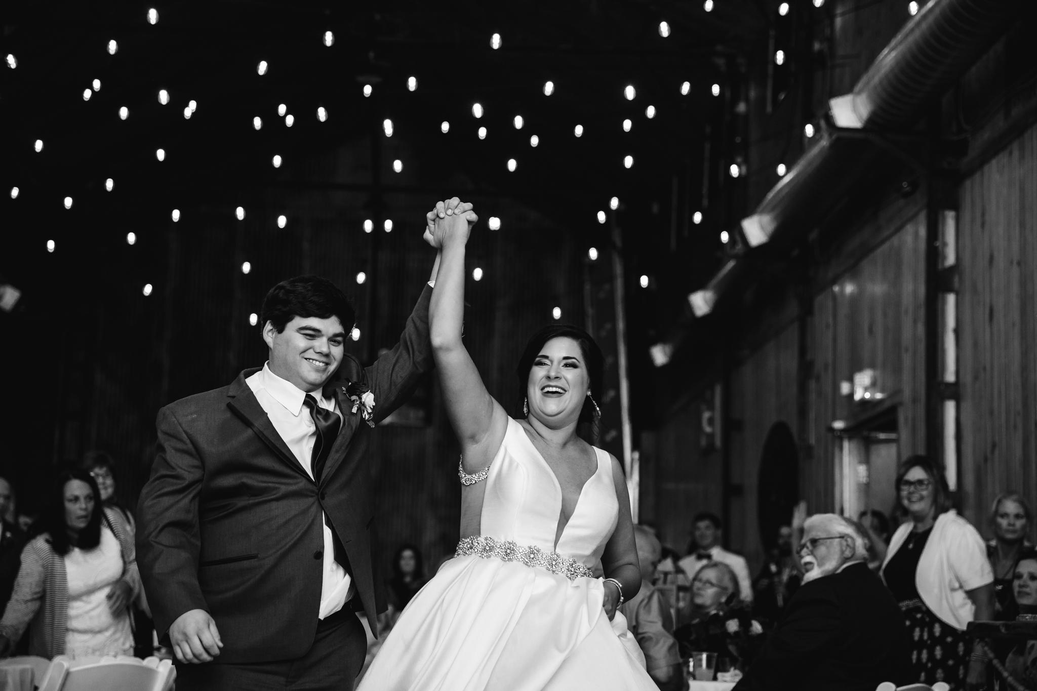 arkansas-wedding-photographer-thewarmtharoundyou-the-delta-gin-wedding-venue-lindsey-mike (29 of 38).jpg