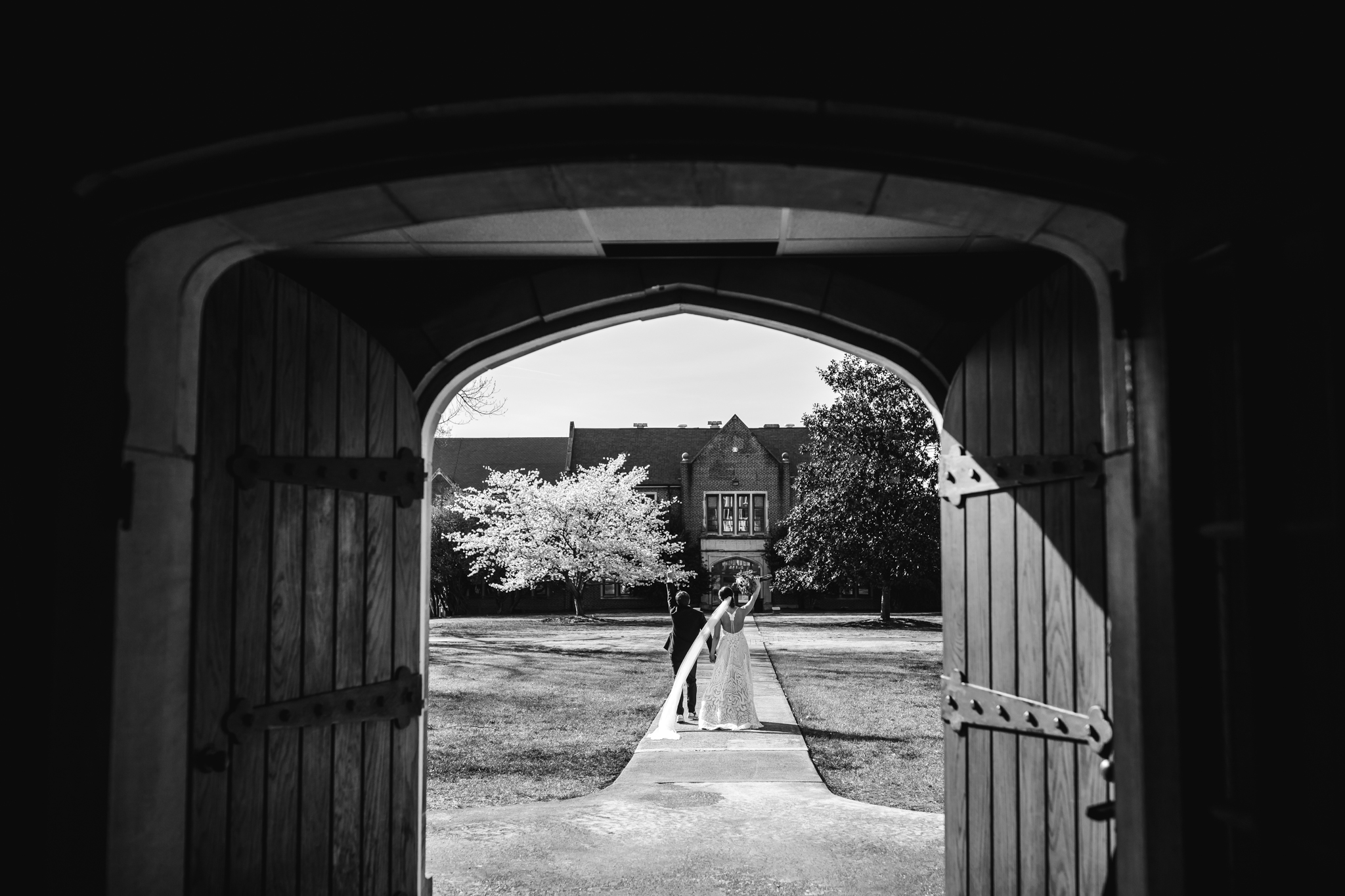 chattanooga-wedding-photographers-thewarmtharoundyou-waterhouse-pavilion-patten-chapel-wedding-sam-dusty (137 of 269).jpg