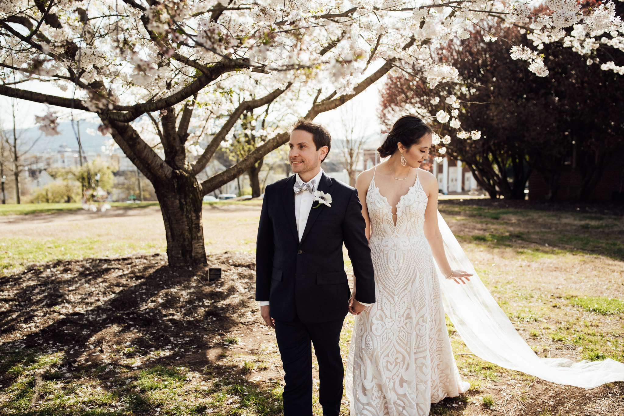 chattanooga-wedding-photographers-thewarmtharoundyou-waterhouse-pavilion-patten-chapel-wedding-sam-dusty (14 of 17).jpg