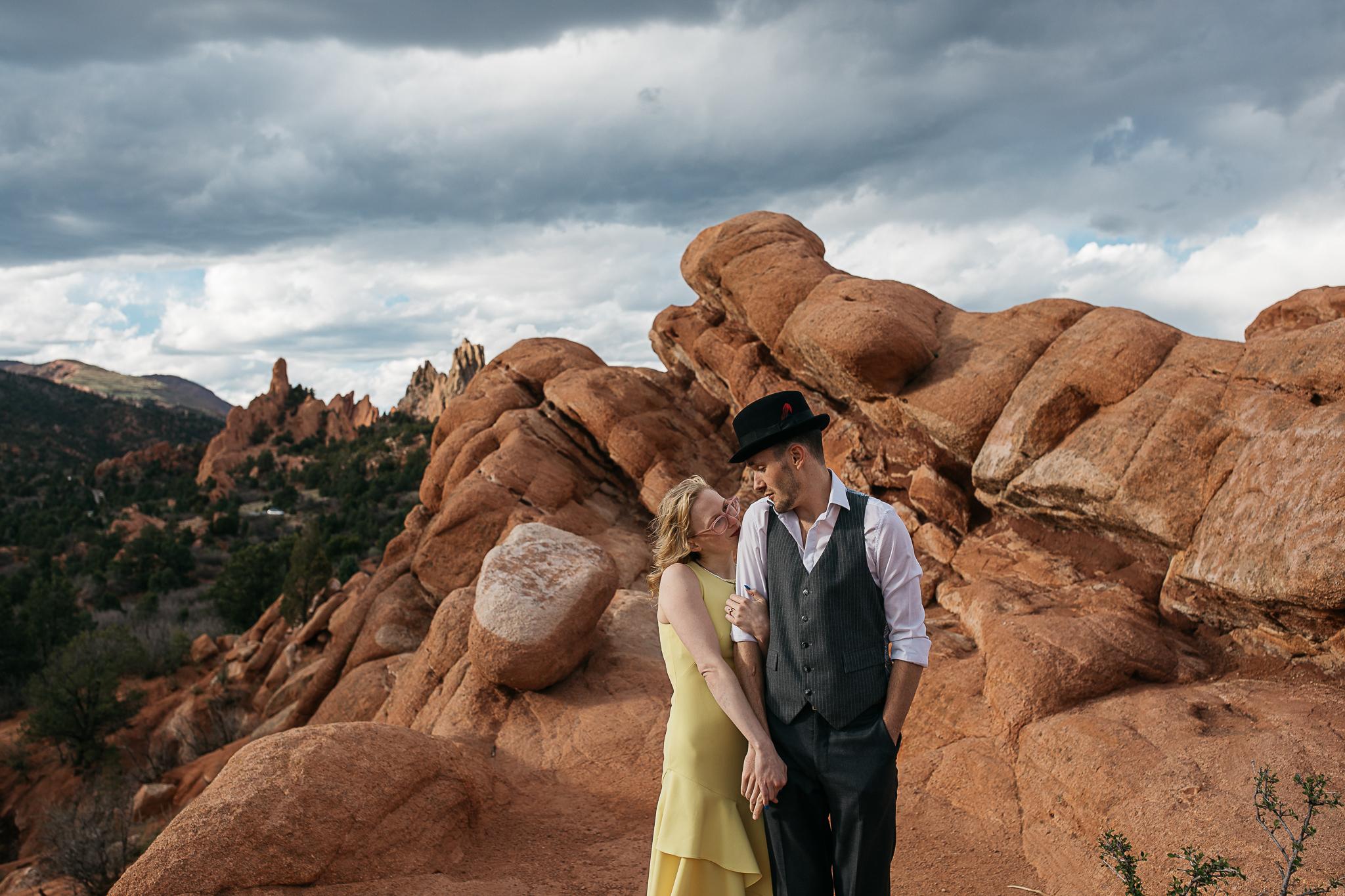 Elizabeth-and-Ryan-GardenoftheGods-Thewarmtharoundyou-49.jpg