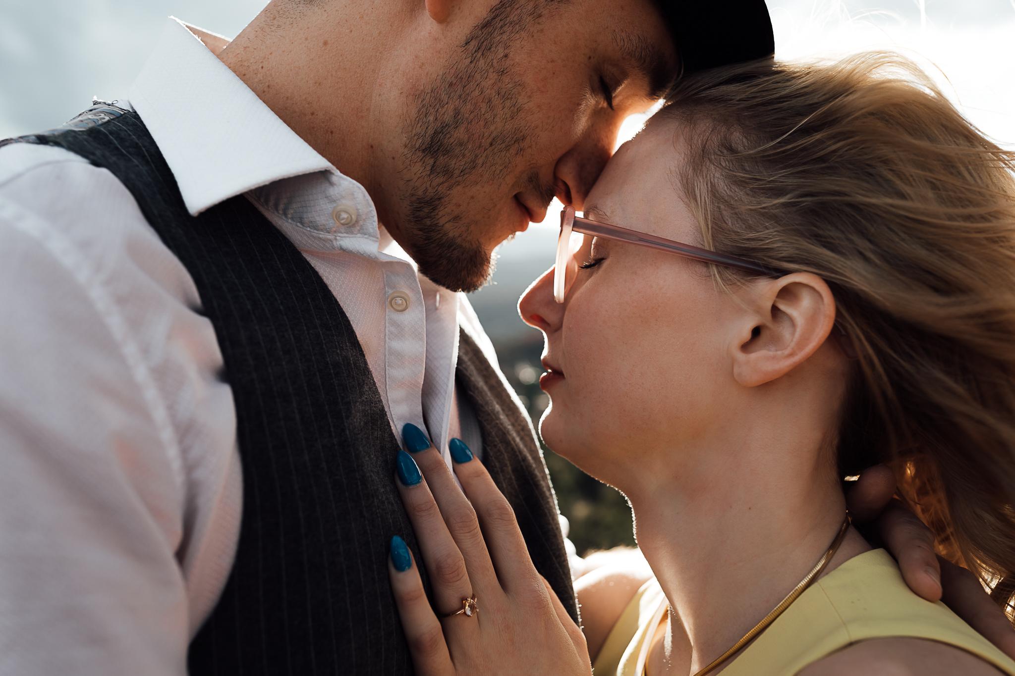 Elizabeth-and-Ryan-GardenoftheGods-Thewarmtharoundyou-70.jpg