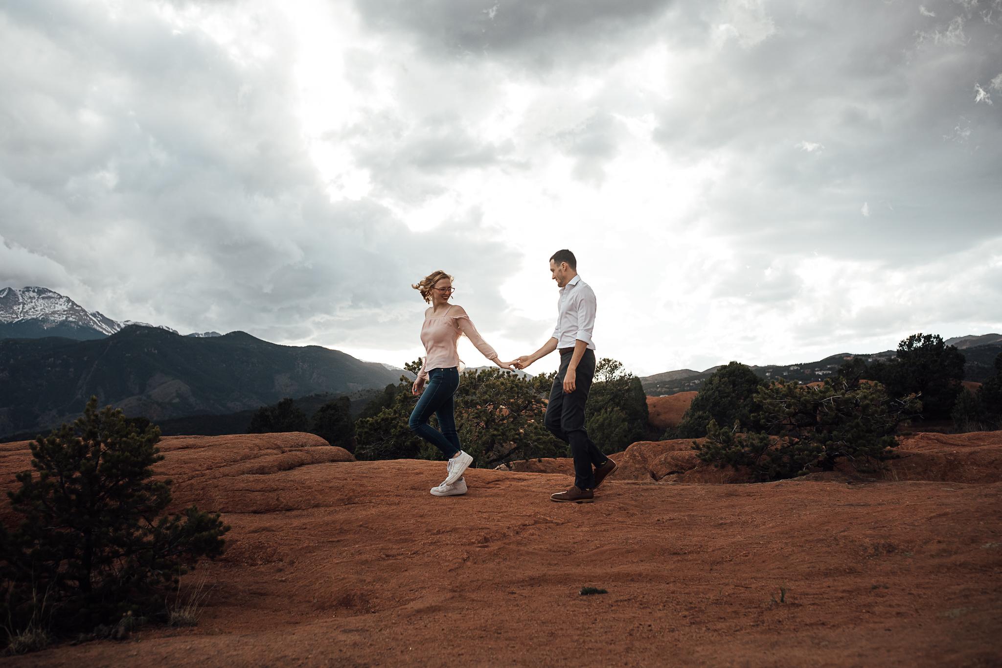 Elizabeth-and-Ryan-GardenoftheGods-Thewarmtharoundyou-91.jpg