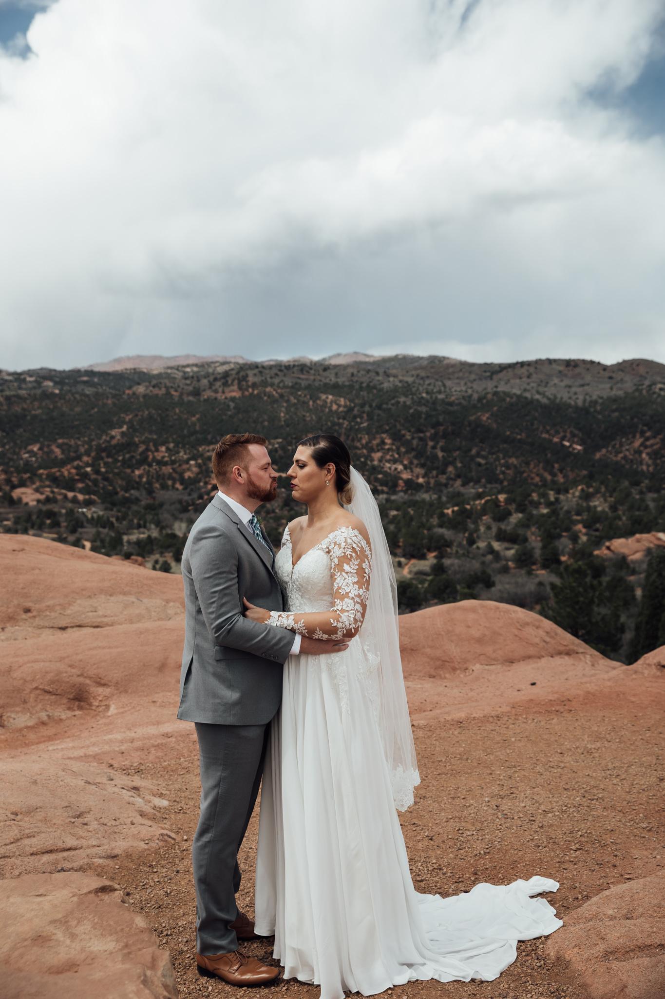 phantom-canyon-brewery-colorado-springs-wedding-photographer-37.jpg