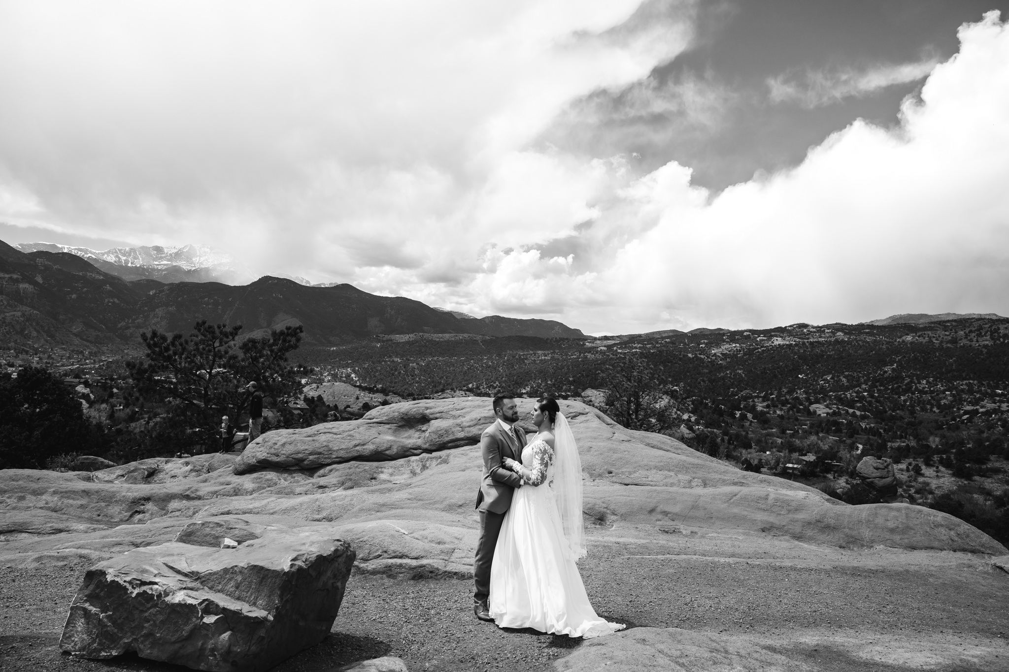phantom-canyon-brewery-colorado-springs-wedding-photographer-44.jpg