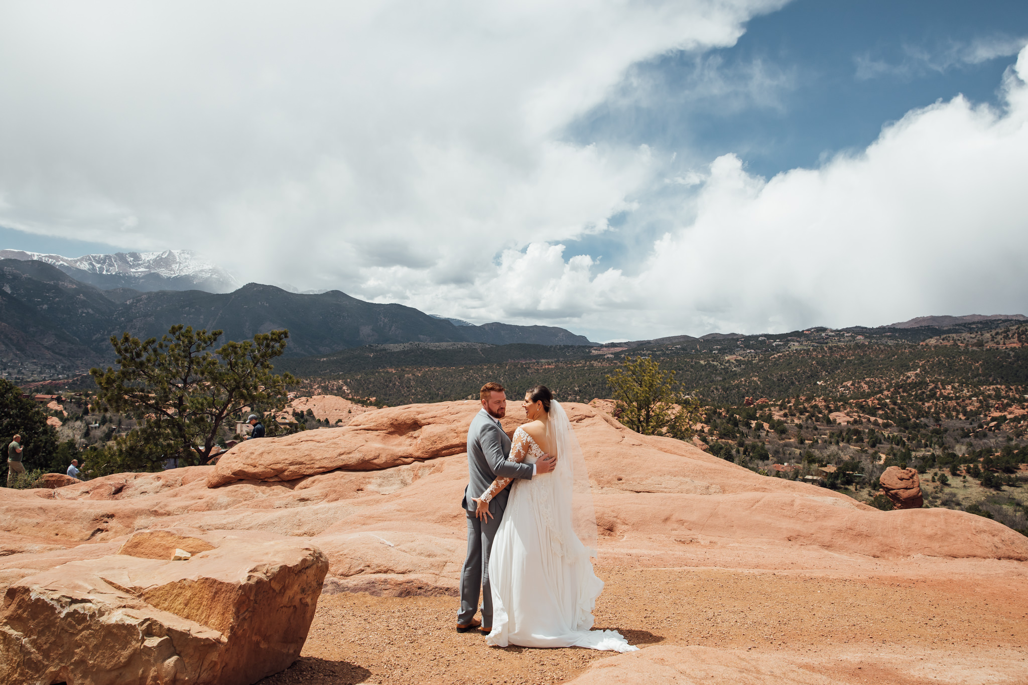 phantom-canyon-brewery-colorado-springs-wedding-photographer-49.jpg
