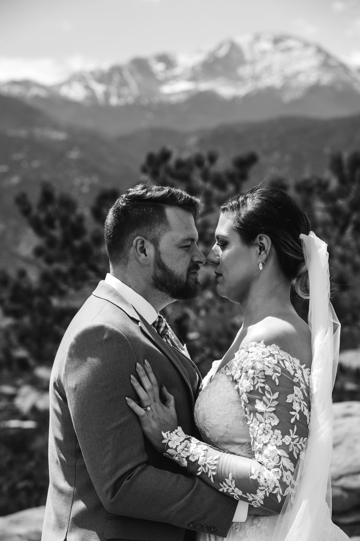 phantom-canyon-brewery-colorado-springs-wedding-photographer-213.jpg