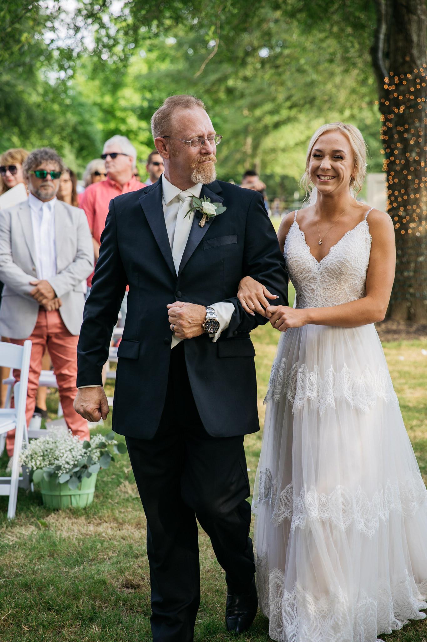 zbackyard-wedding-thewarmtharoundyou-lexy-branson-403.jpg