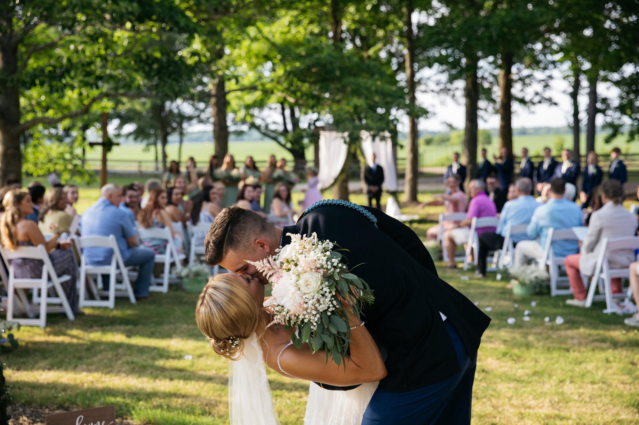 zbackyard-wedding-thewarmtharoundyou-lexy-branson-409.jpg