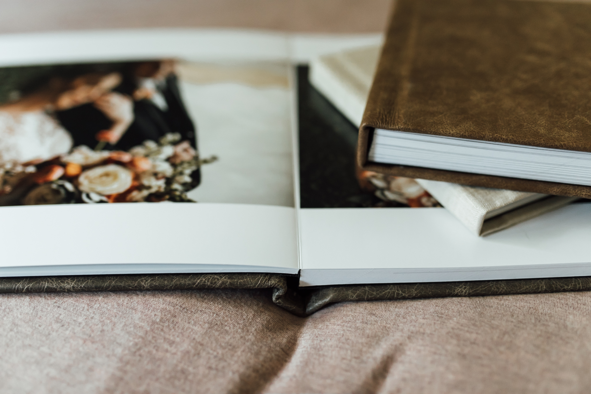 thewarmtharoundyou-memphis-wedding-photographers (10 of 10).jpg