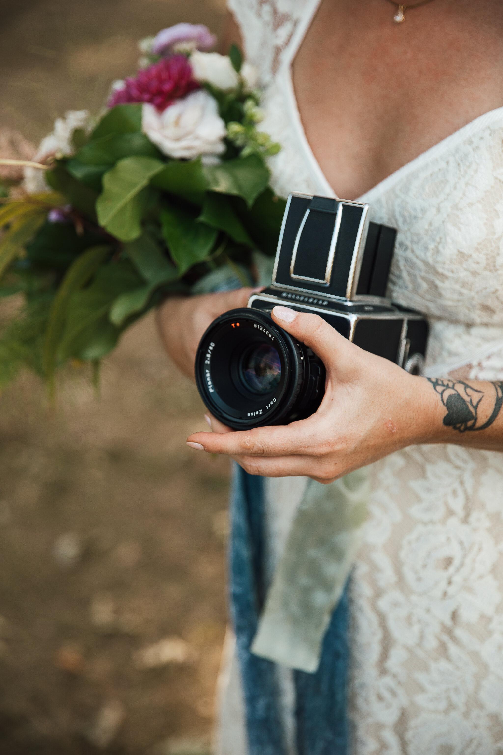 Allison-and-Wesley-Memphis-Backyard-Wedding-TheWarmthAroundYou-129.jpg