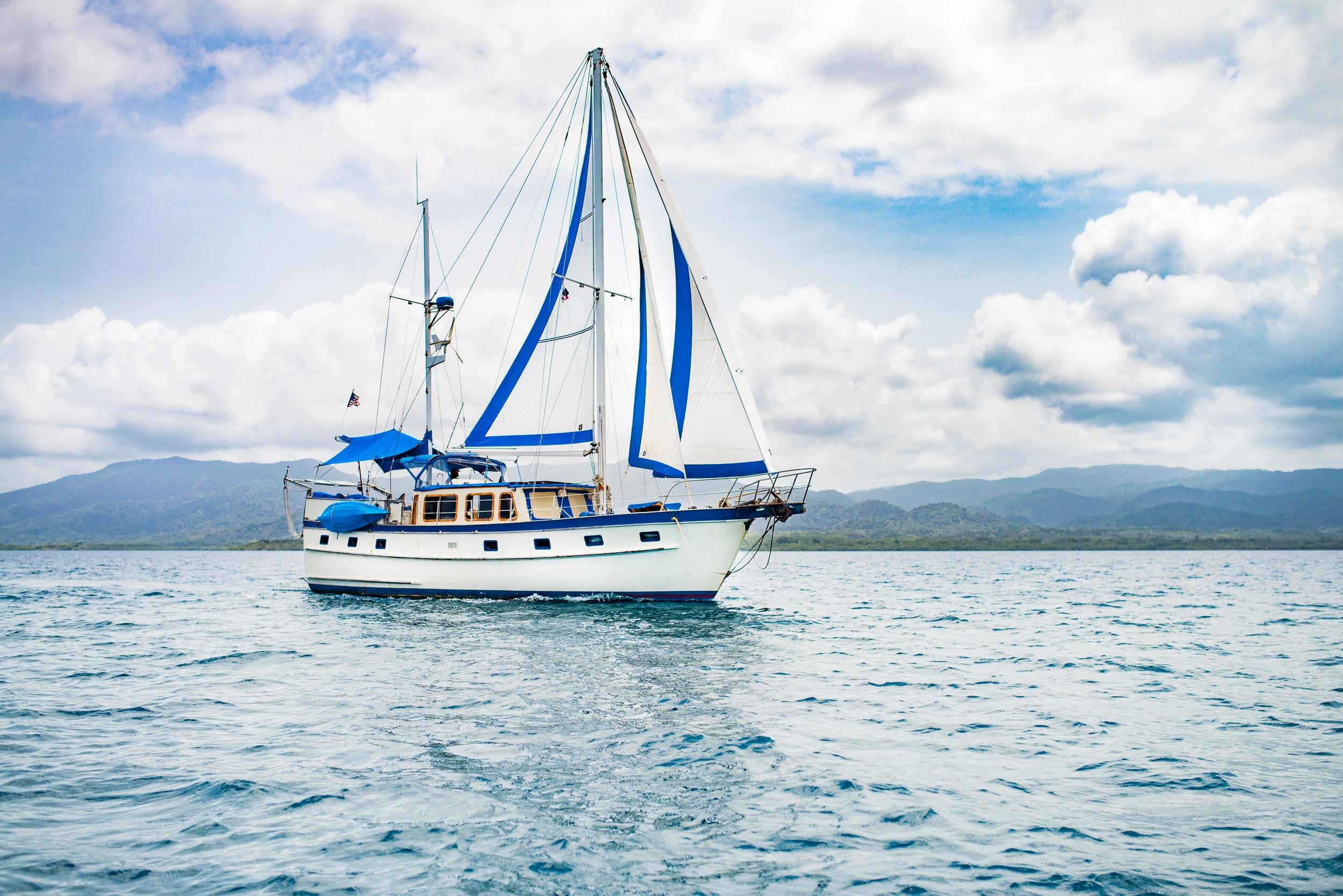 Blue-Sky-Charter-Sailing-San-Blas-Panama-001.jpg