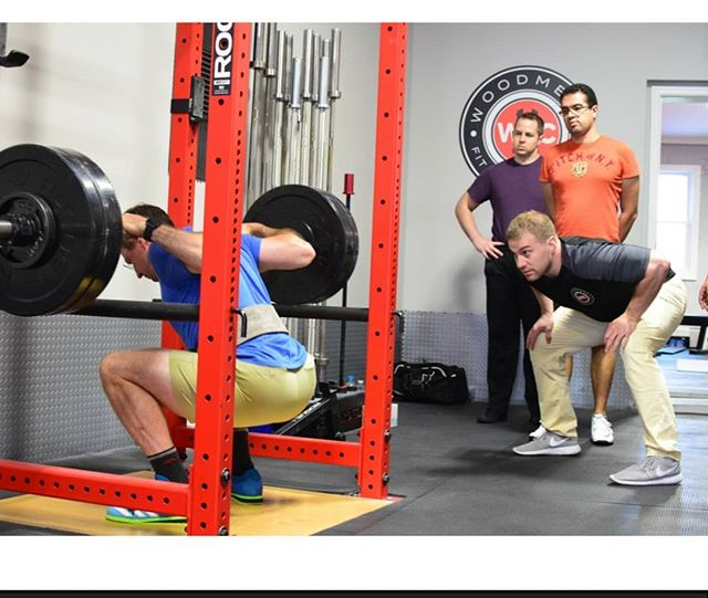 This Father's Day give the gift of health♥️ Whether you are anathlete or businessman, novice or experienced lifter, barbells get the modern man strong.  Reasons why MEN should barbell train: * Fastest way to build muscle and lose fat * Improve quality of life outside of the gym and work * Improve performance in other areas of life such as sport or recreation * Improved mood, confidence and reduce stress  Gift certificates can be applied to: 1. Intro to Barbell Session(new member requirement) 2. Barbell Groups 3. Personal training  # 💪Strength IS Health 🎁To purchase your customizable gift certificate for dad email info@woodmerefitnessclub.com  #startingstrength #barbellclubwfc #fathersday #healthy #strongdads