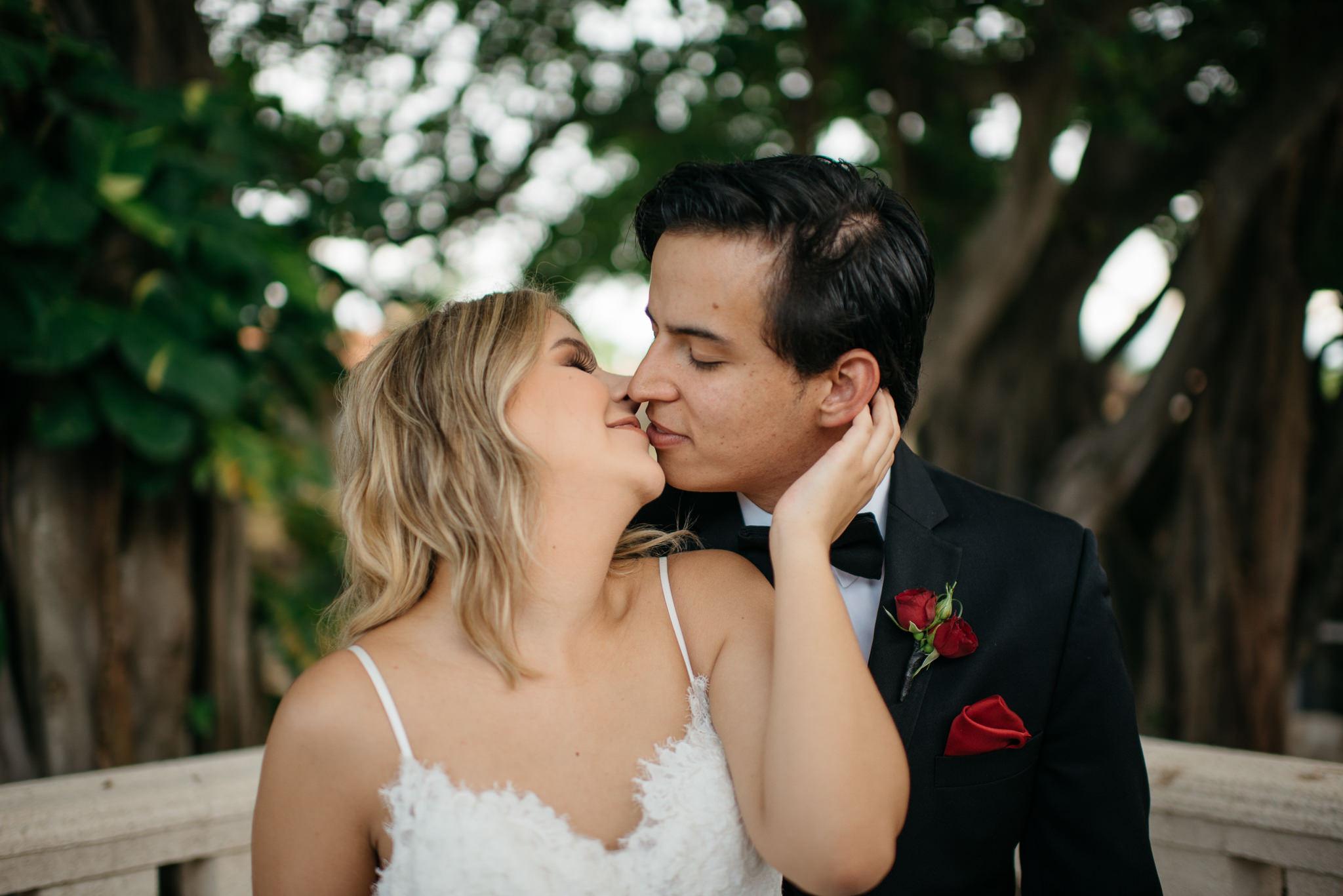Sam+Ricardo_Wisconsin_Wedding_photographer-24.jpg