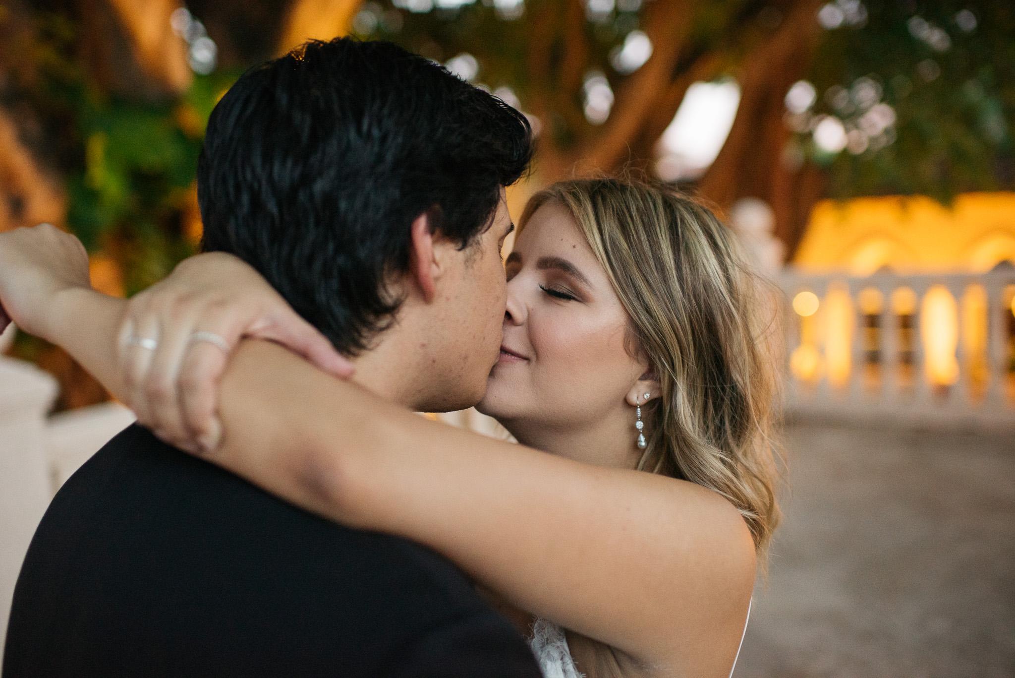Sam+Ricardo_Wisconsin_Wedding_photographer-36.jpg