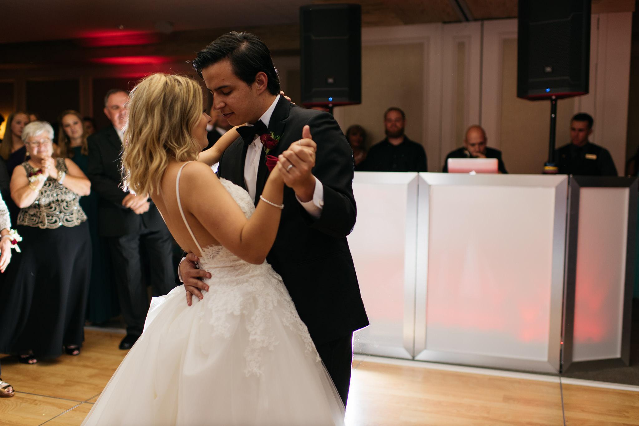 Sam+Ricardo_Wisconsin_Wedding_photographer-38.jpg
