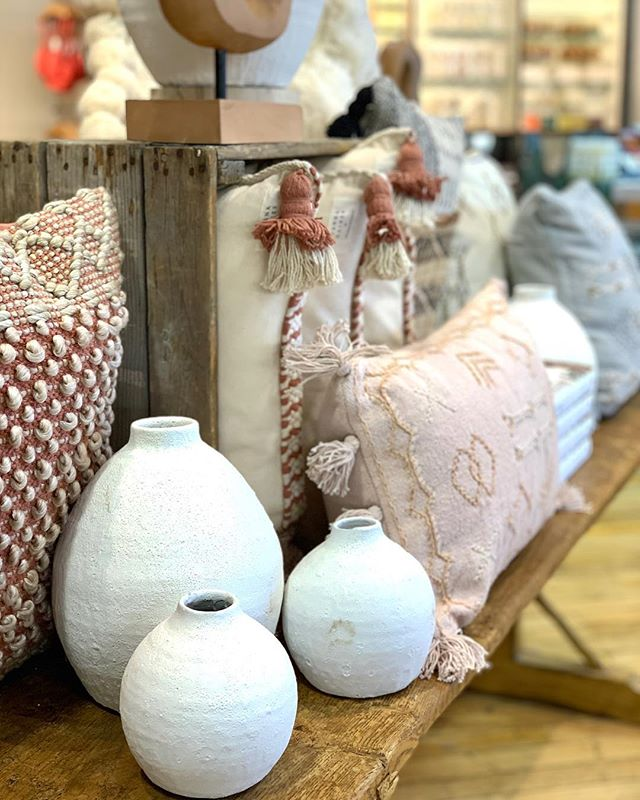 Find a career where artfully arranging @joannagaines throw pillows counts as work ✅ #anthropologiehome