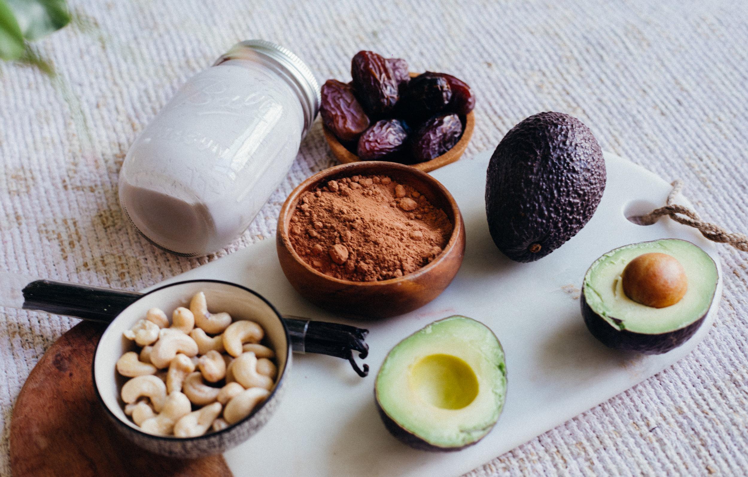 Healthy Vegan Chocolate Mousse - www.amelietahiti.com